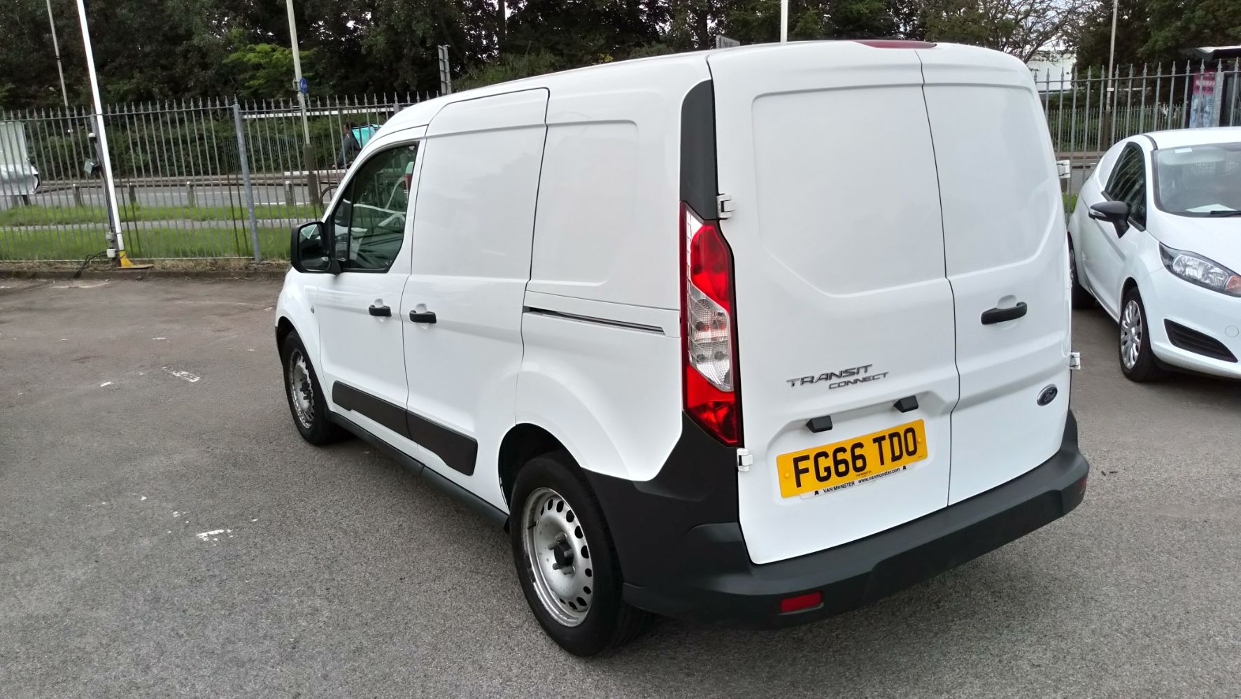 2016 Ford Transit Connect 1.5 Tdci 75Ps Van (FG66TDO) Image 4