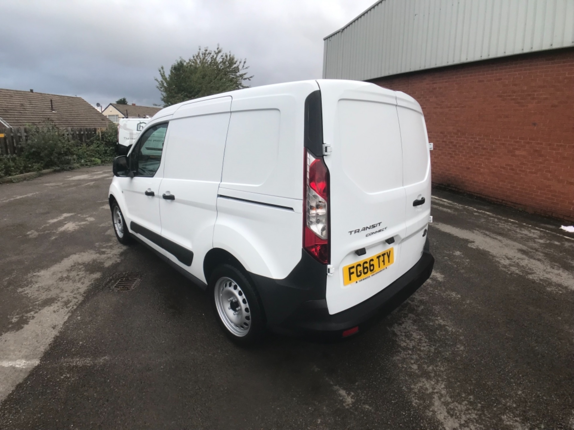 2016 Ford Transit Connect 1.5 Tdci 75Ps Van Euro 6 (FG66TTY) Image 4