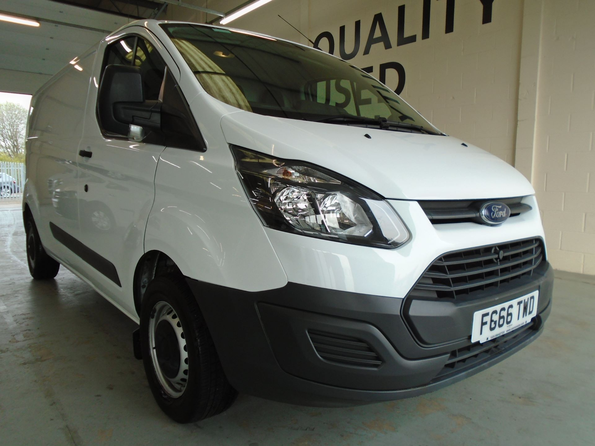 2016 Ford Transit Custom 2.2 Tdci 100Ps Low Roof Van (FG66TWD)