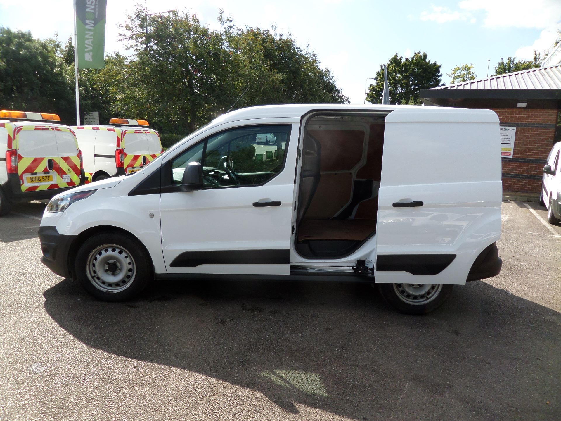 2016 Ford Transit Connect 1.5 Tdci 75Ps Van Euro 6 (FG66TYH) Image 7