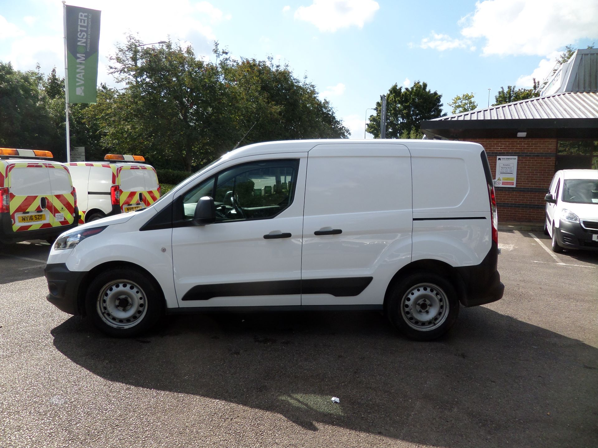 2016 Ford Transit Connect 1.5 Tdci 75Ps Van Euro 6 (FG66TYH) Image 6