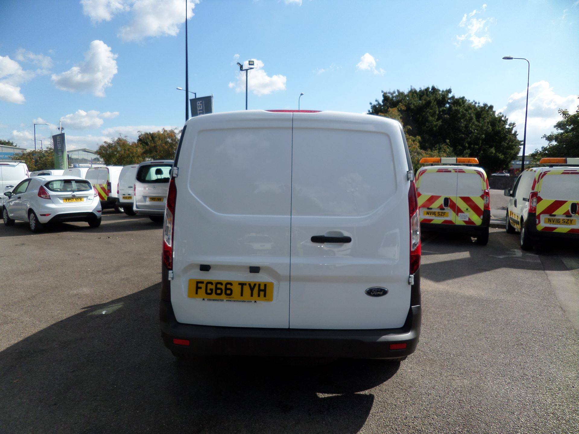 2016 Ford Transit Connect 1.5 Tdci 75Ps Van Euro 6 (FG66TYH) Image 3