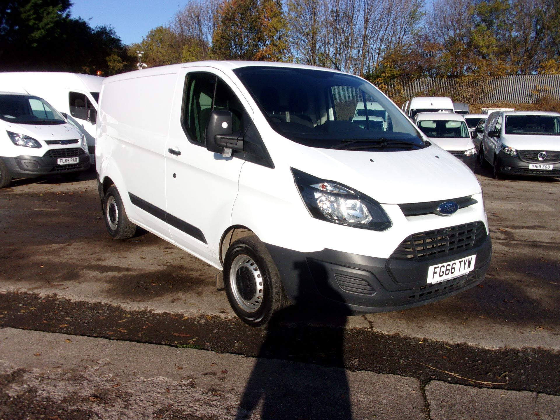 2016 Ford Transit Custom 290 L1 DIESEL FWD 2.2 TDCI 100PS LOW ROOF VAN EURO *LIMITED TO 70MPH* (FG66TYW)