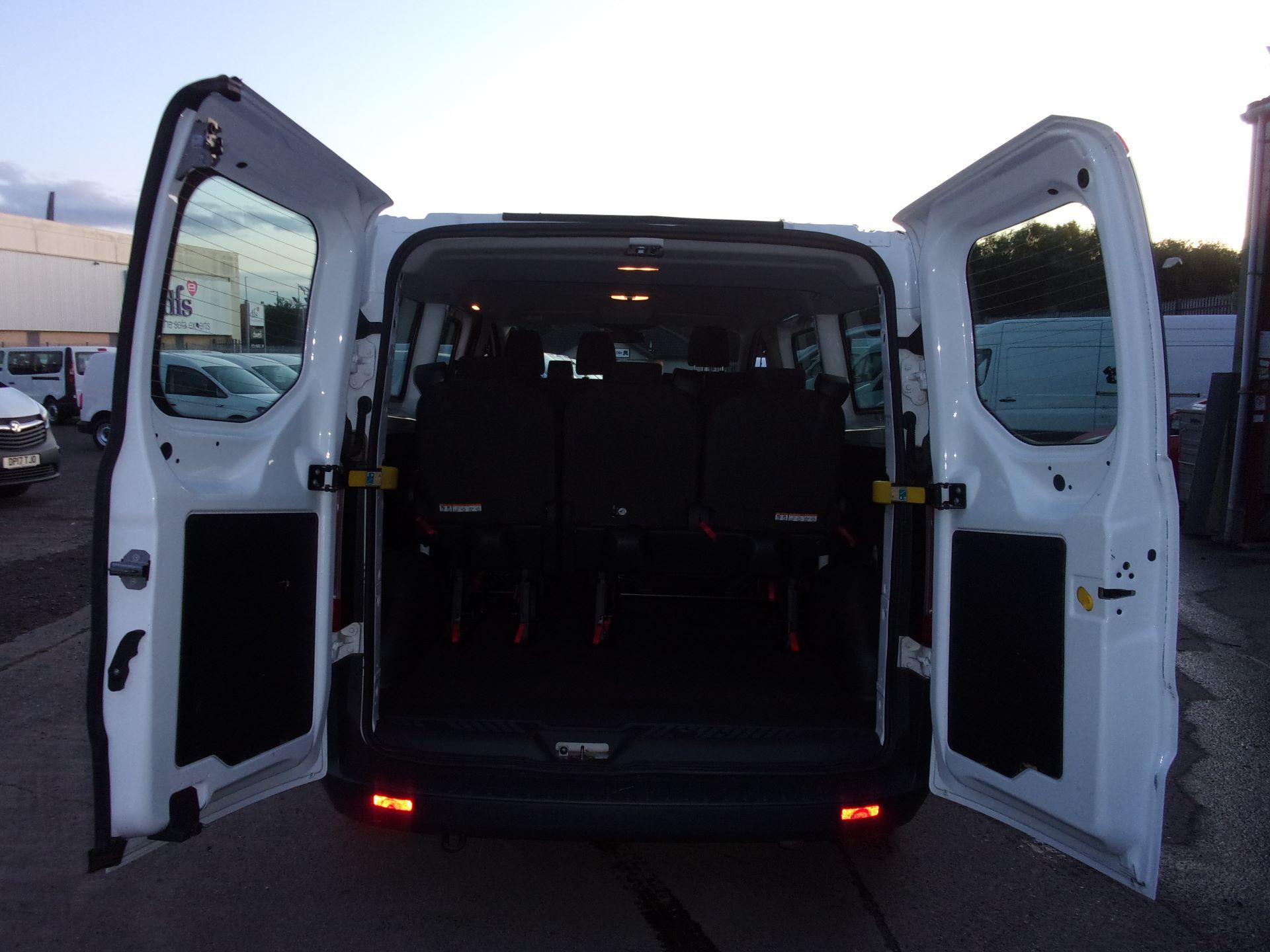 2017 Ford Transit Custom 310 L2 DIESEL FWD 2.0 TDCI 130PS LOW ROOF KOMBI EURO 6 (FG67ERU) Image 14