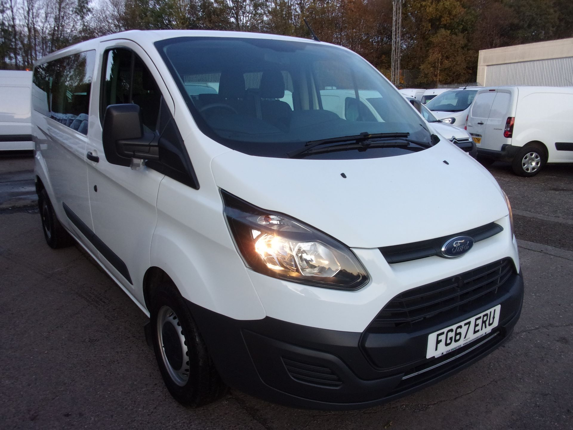 2017 Ford Transit Custom 310 L2 DIESEL FWD 2.0 TDCI 130PS LOW ROOF KOMBI EURO 6 (FG67ERU)