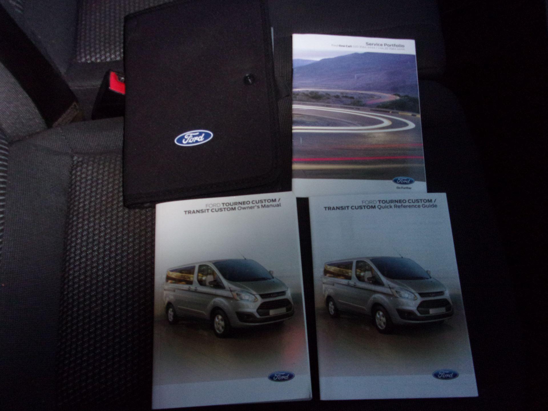 2017 Ford Transit Custom 310 L2 DIESEL FWD 2.0 TDCI 130PS LOW ROOF KOMBI EURO 6 (FG67ERU) Image 12