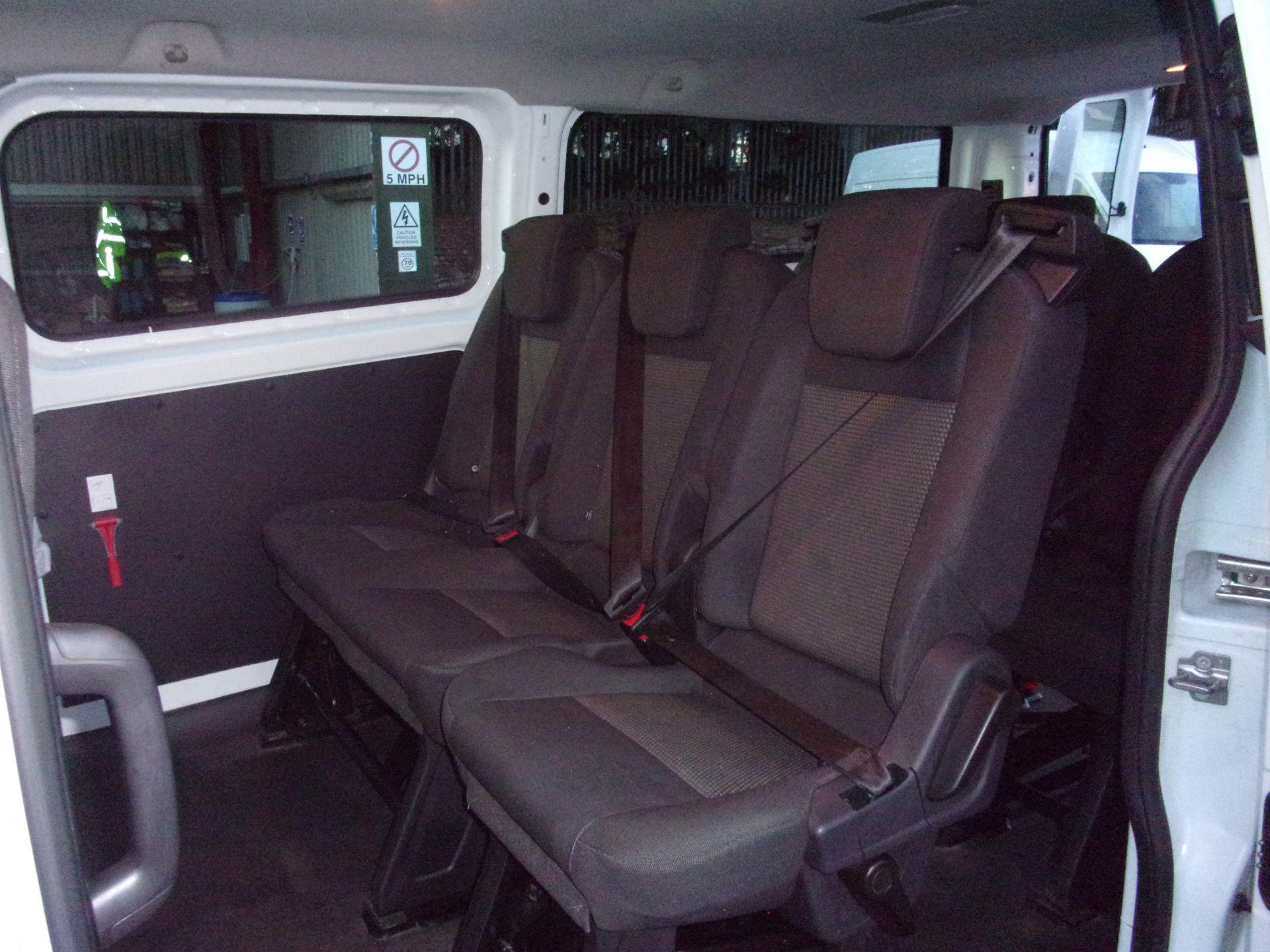 2017 Ford Transit Custom 310 L2 DIESEL FWD 2.0 TDCI 130PS LOW ROOF KOMBI EURO 6 (FG67ERU) Image 17