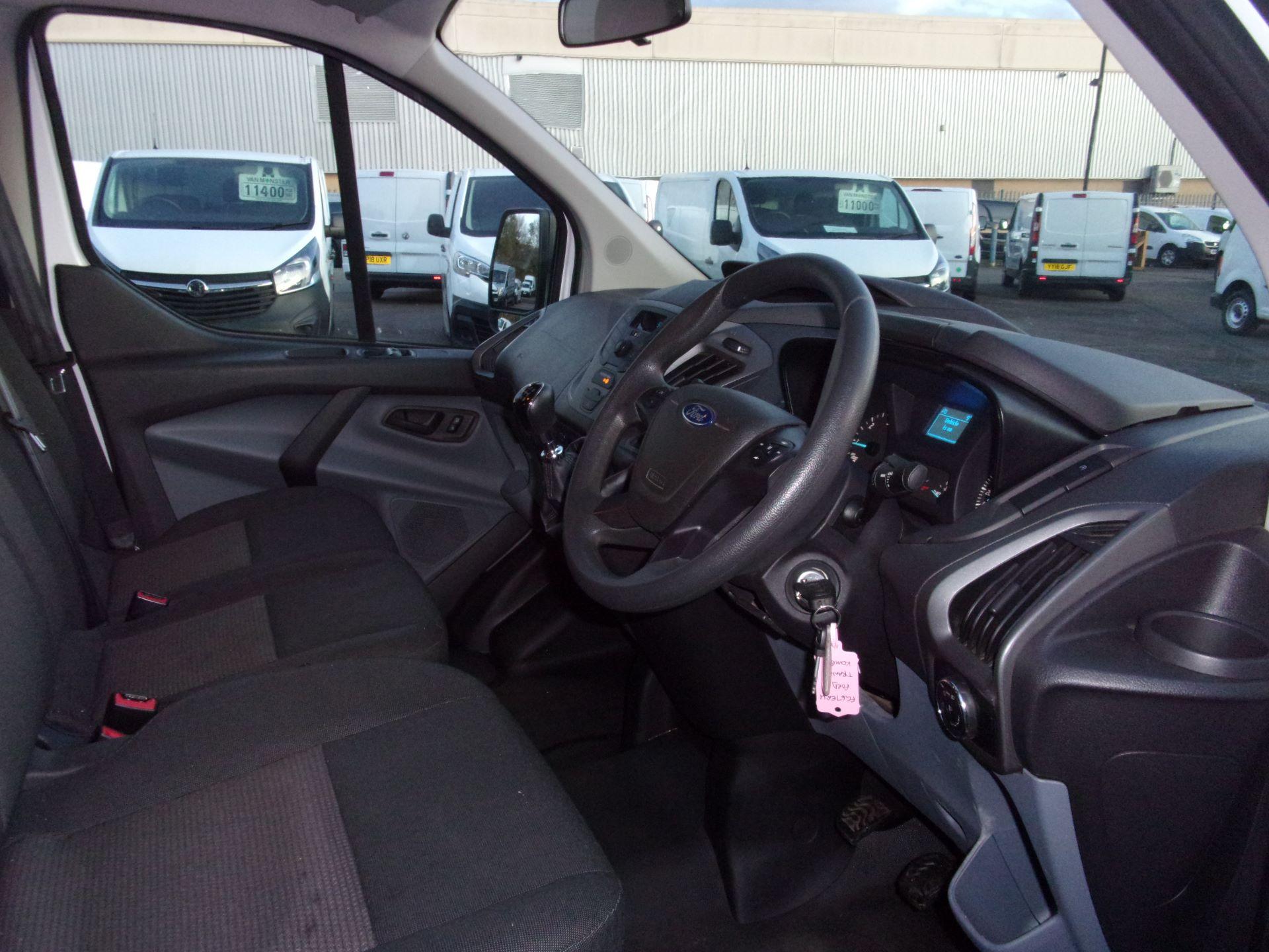 2017 Ford Transit Custom 310 L2 DIESEL FWD 2.0 TDCI 130PS LOW ROOF KOMBI EURO 6 (FG67ERU) Image 7
