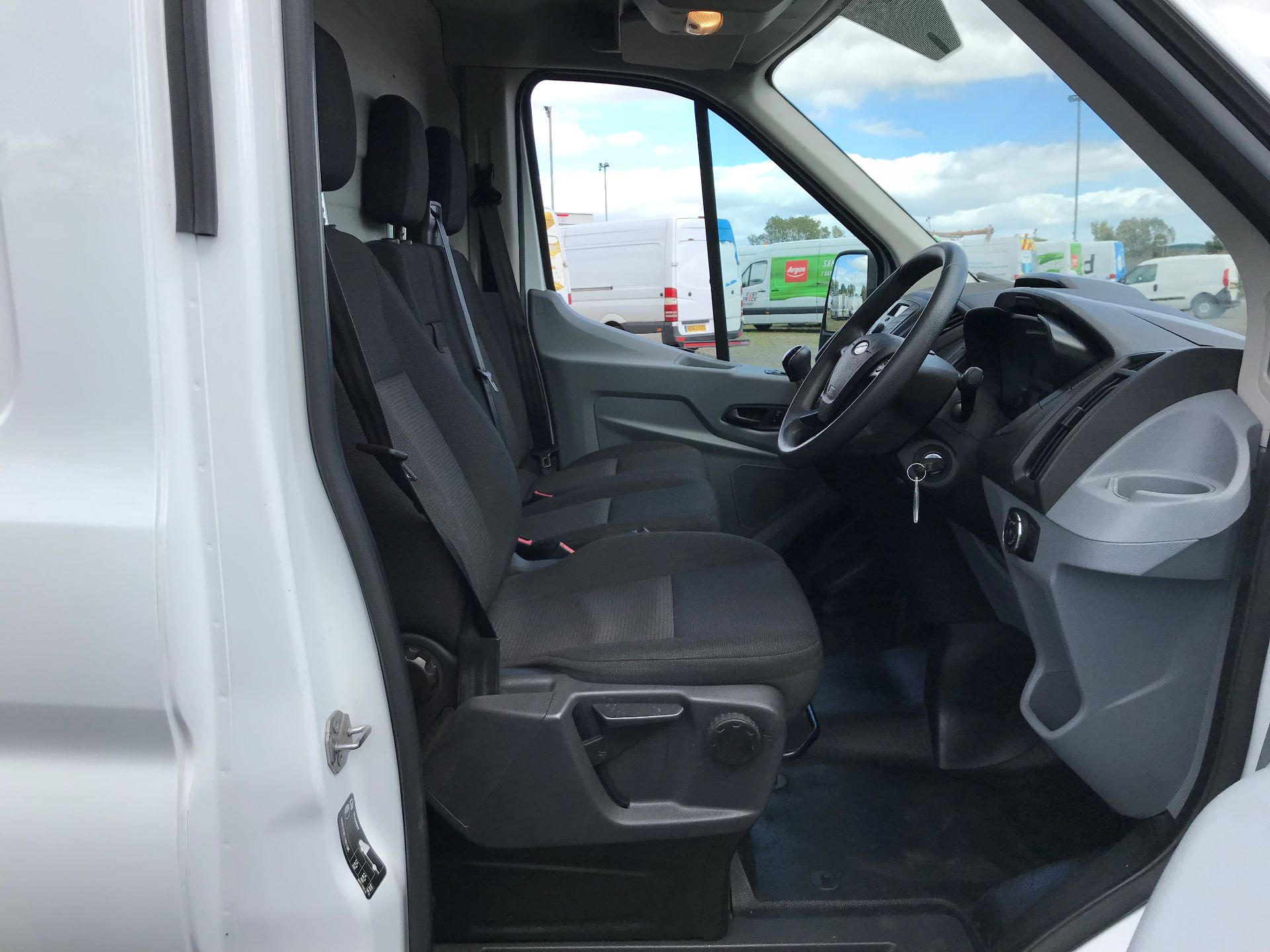 2017 Ford Transit 2.0 Tdci 130Ps H3 Van (FG67ESO) Image 11