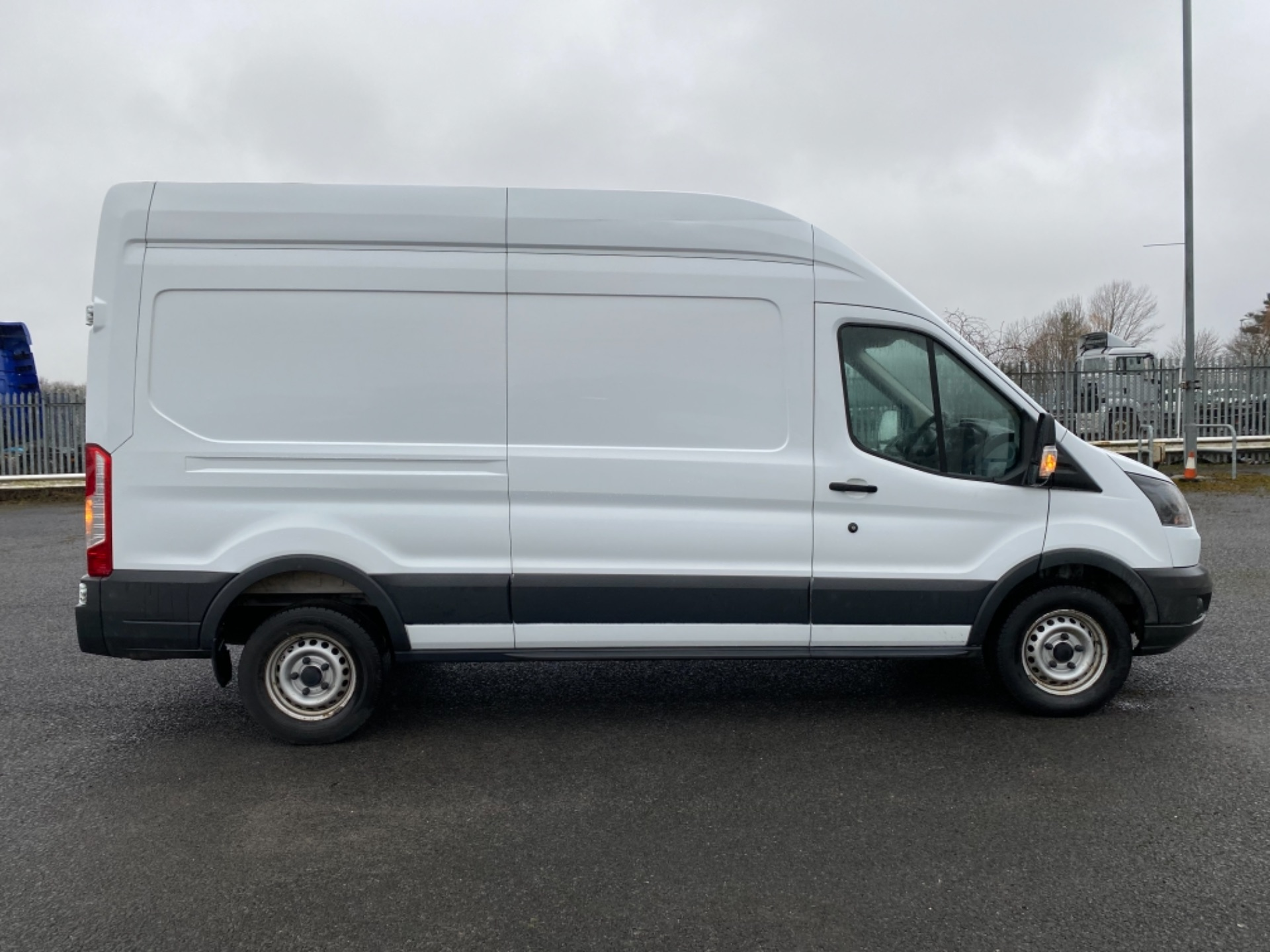 2017 Ford Transit 2.0 Tdci 130Ps H3 Van (FG67ETK) Image 8