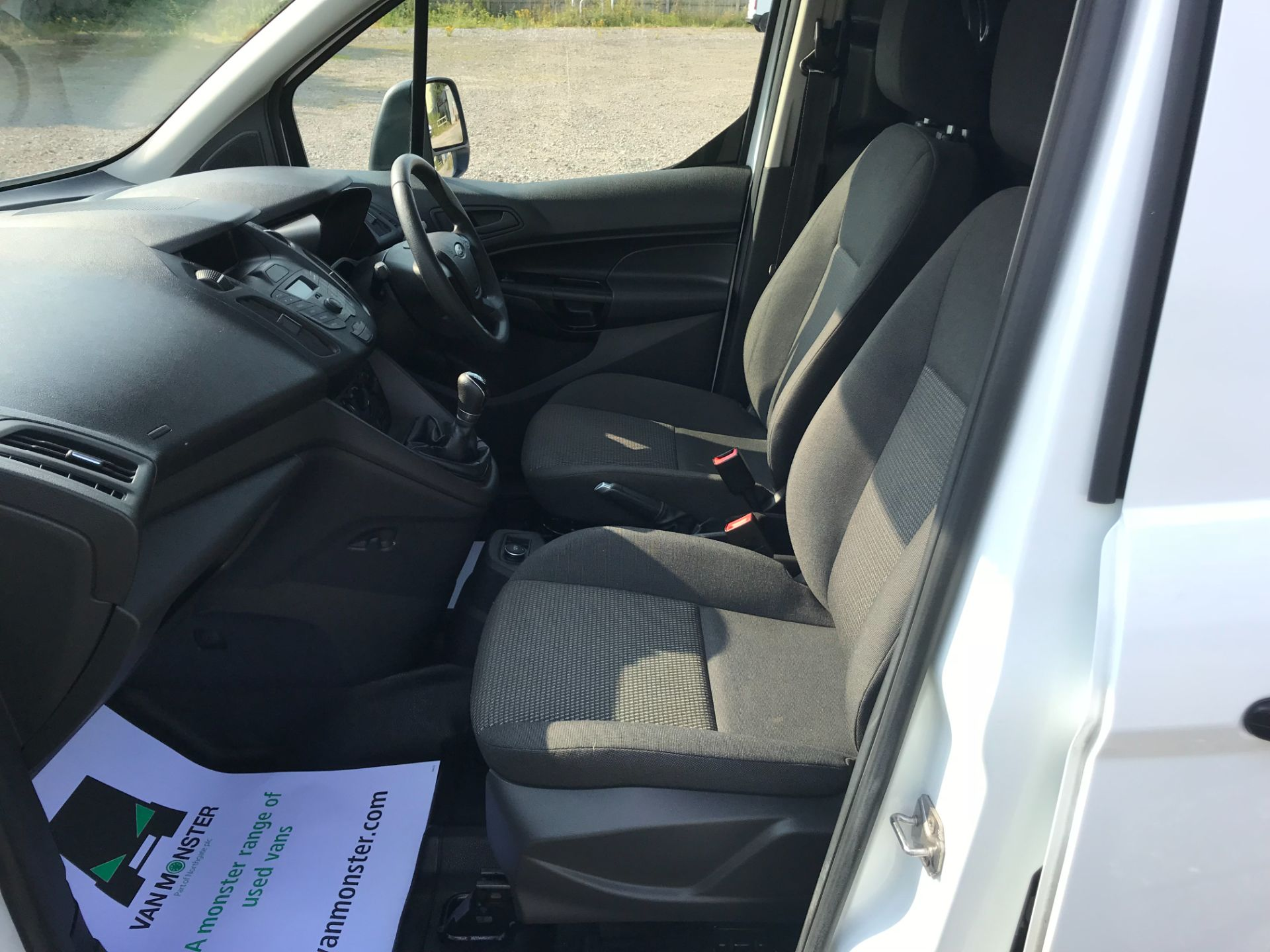 2017 Ford Transit Connect  200 L1 Diesel 1.5 TDCi 75PS Van EURO 6 (FG67EUF) Image 19