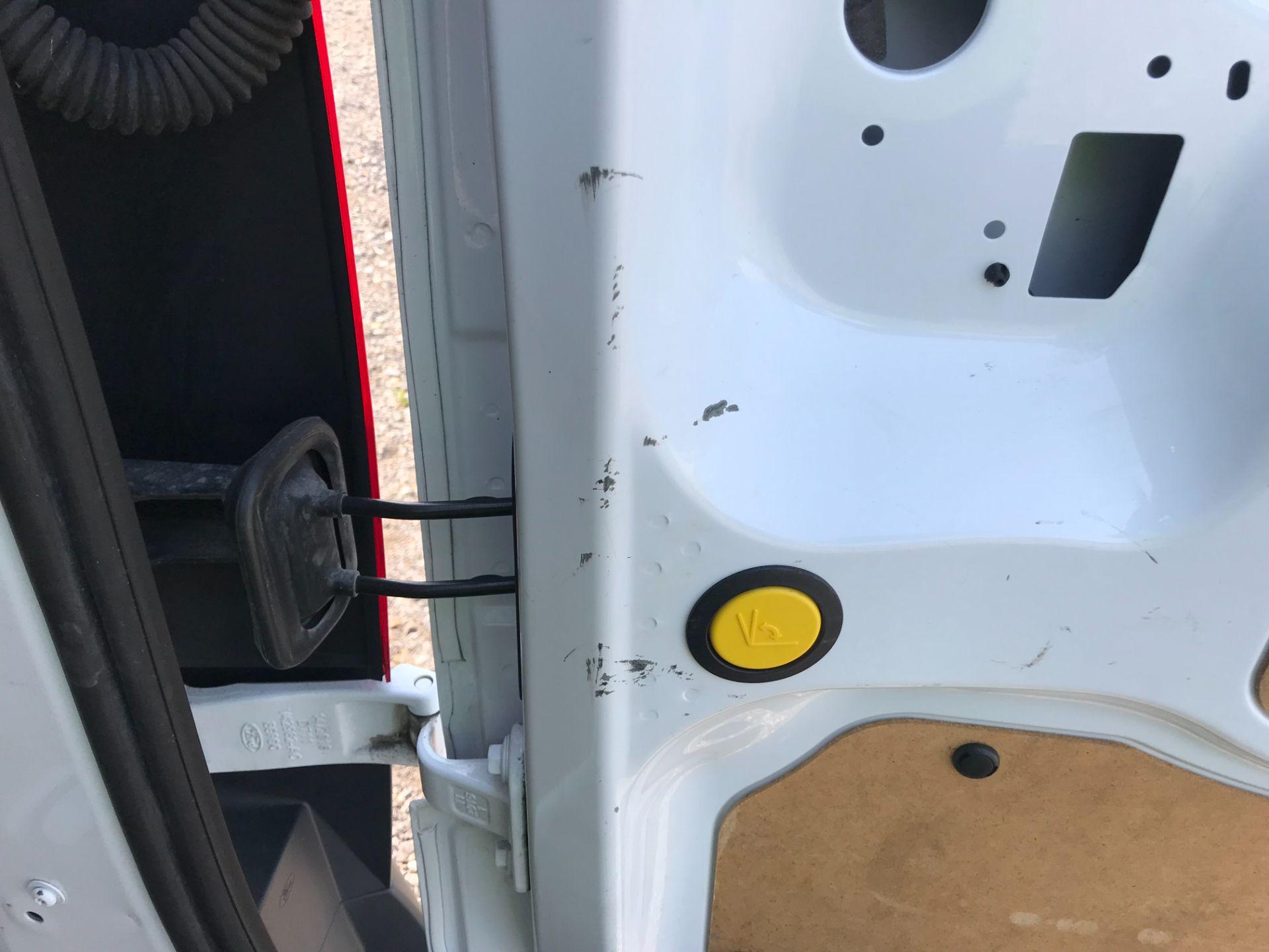 2017 Ford Transit Connect  200 L1 Diesel 1.5 TDCi 75PS Van EURO 6 (FG67EUF) Image 13