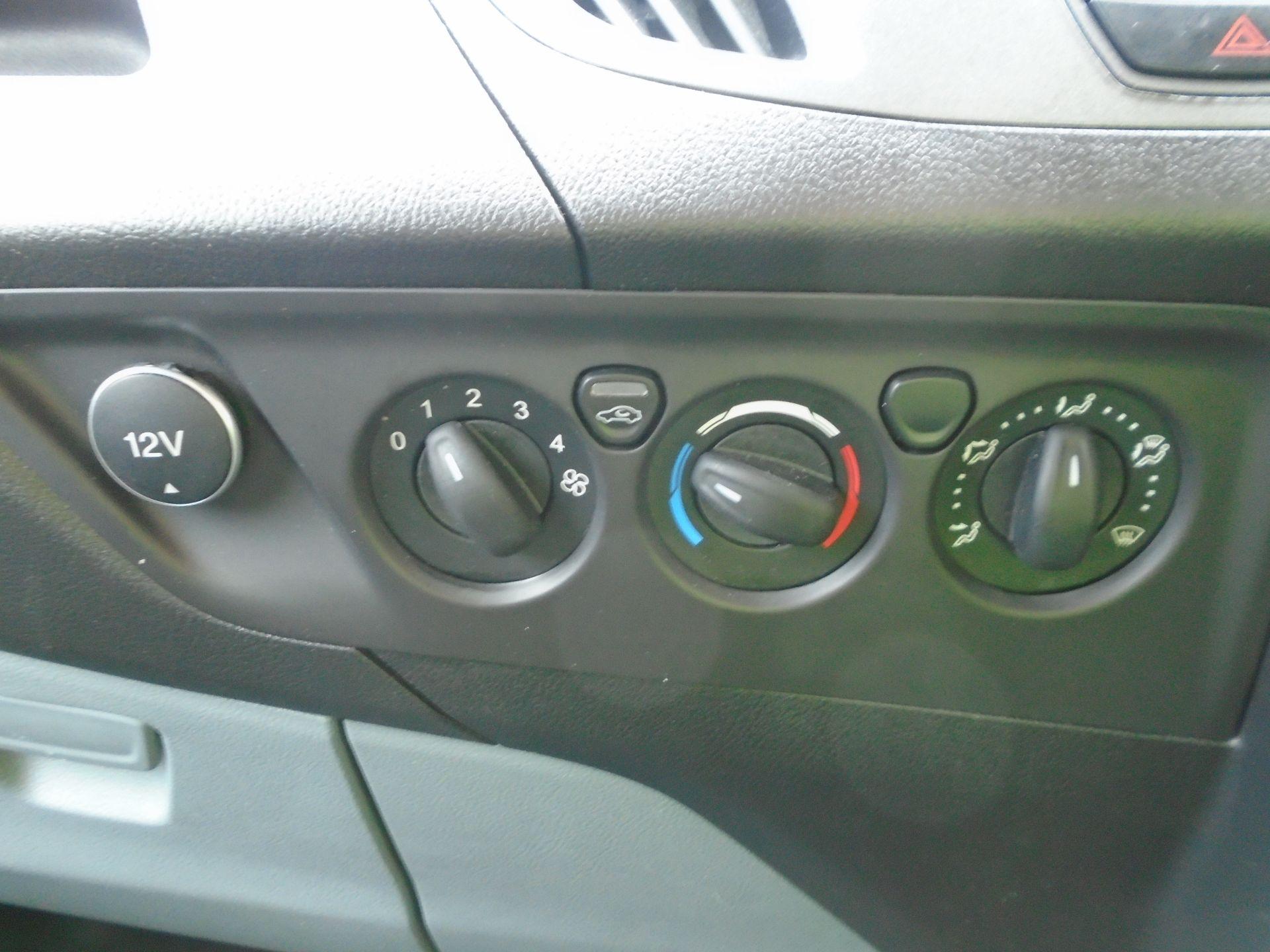 2017 Ford Transit Custom 2.0 Tdci 105Ps Low Roof Van(EURO 6) (FG67EWE) Image 14