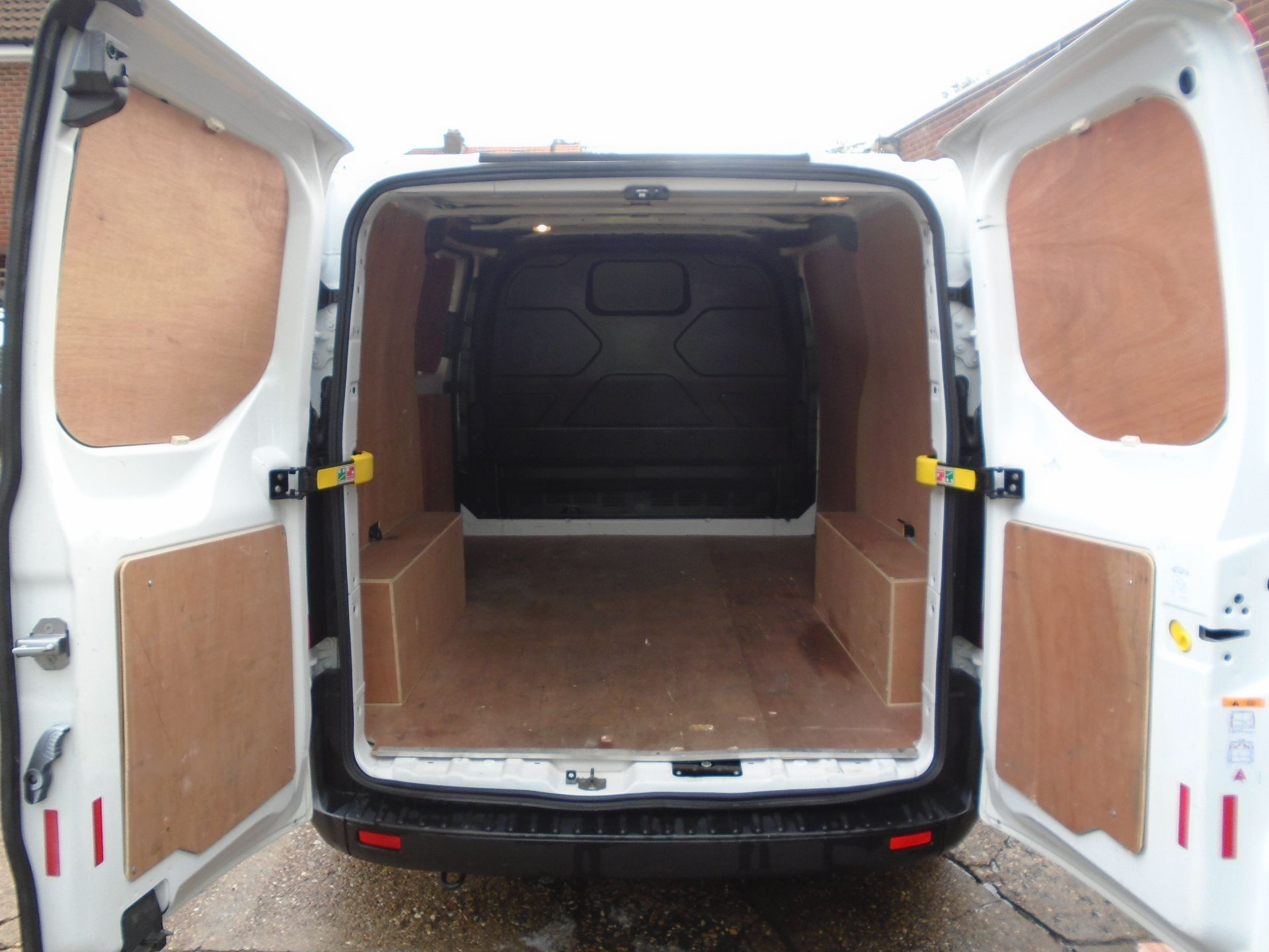 2017 Ford Transit Custom 2.0 Tdci 105Ps Low Roof Van(EURO 6) (FG67EWE) Image 13