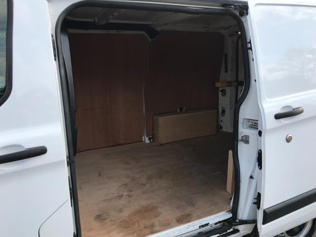 2017 Ford Transit Custom 2.0 Tdci 105Ps Low Roof Van Euro 6 (FG67EWL) Image 30