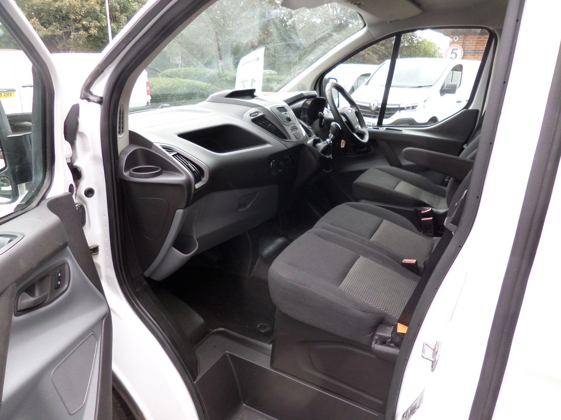 2017 Ford Transit Custom 2.0 Tdci 105Ps Low Roof Van Euro 6 (FG67EXS) Image 8