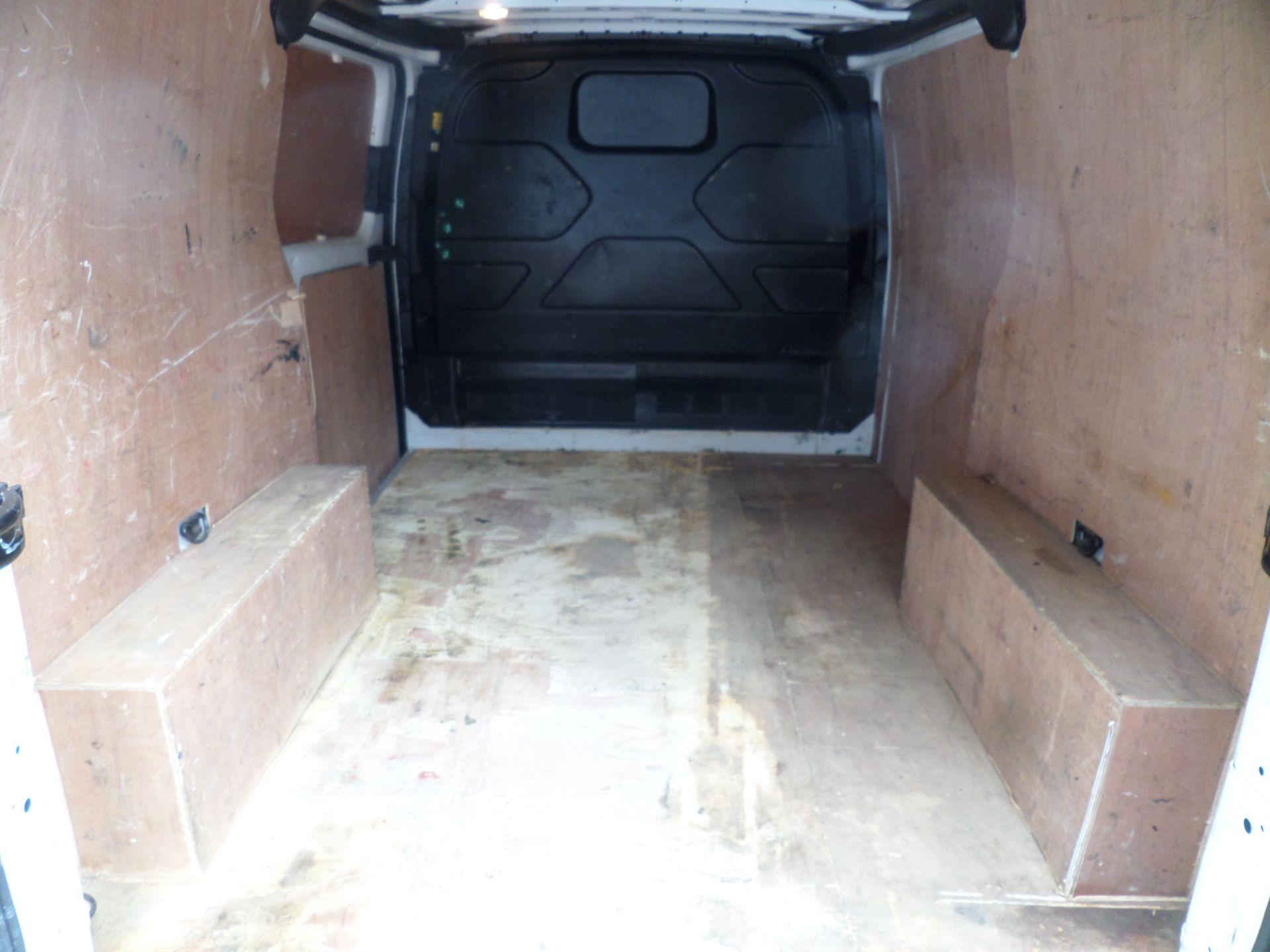 2017 Ford Transit Custom 2.0 Tdci 105Ps Low Roof Van Euro 6 (FG67EXS) Image 5