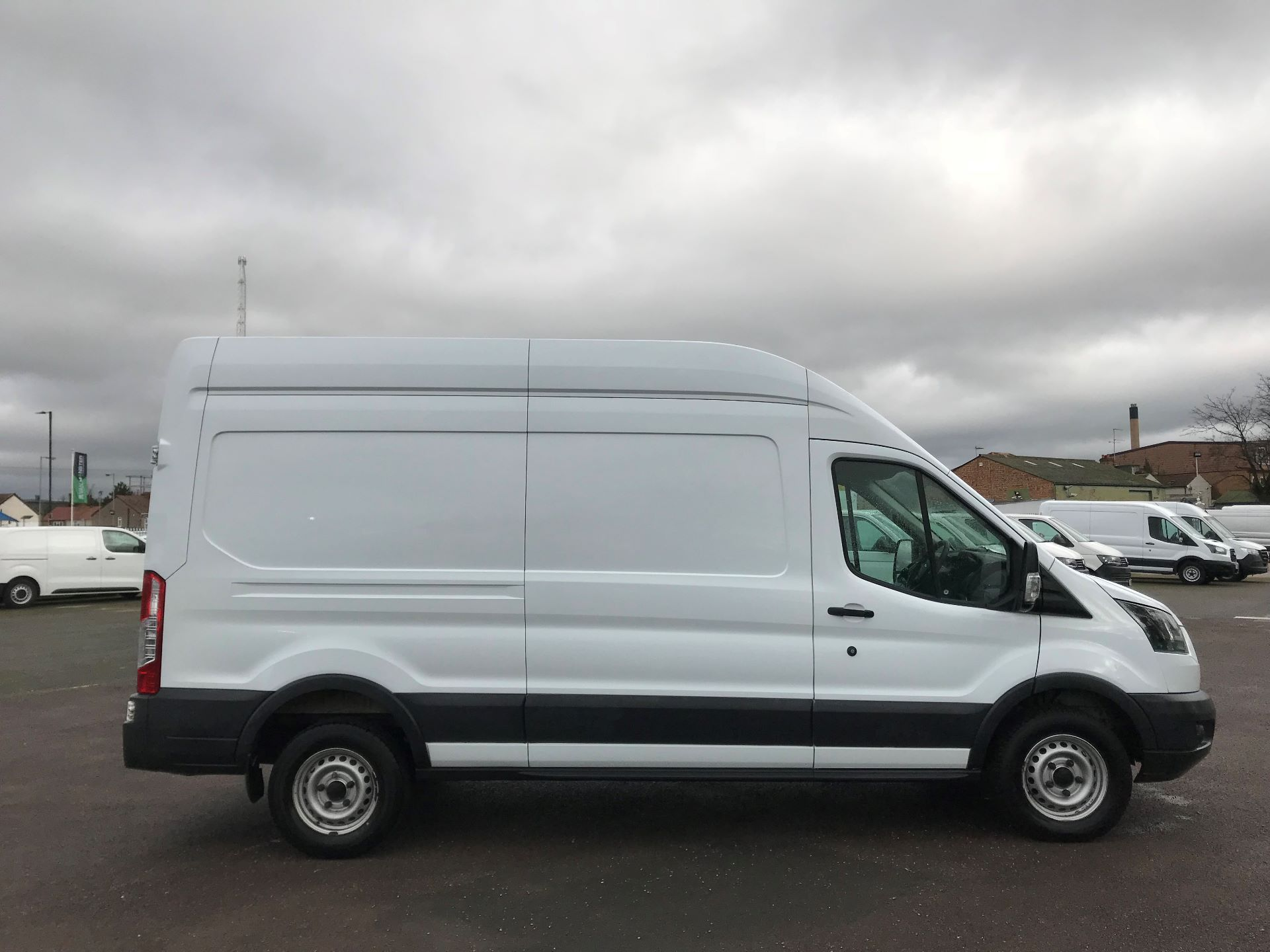2017 Ford Transit  T350 L3 H3 130PS EURO 6 (FG67EYV) Image 8