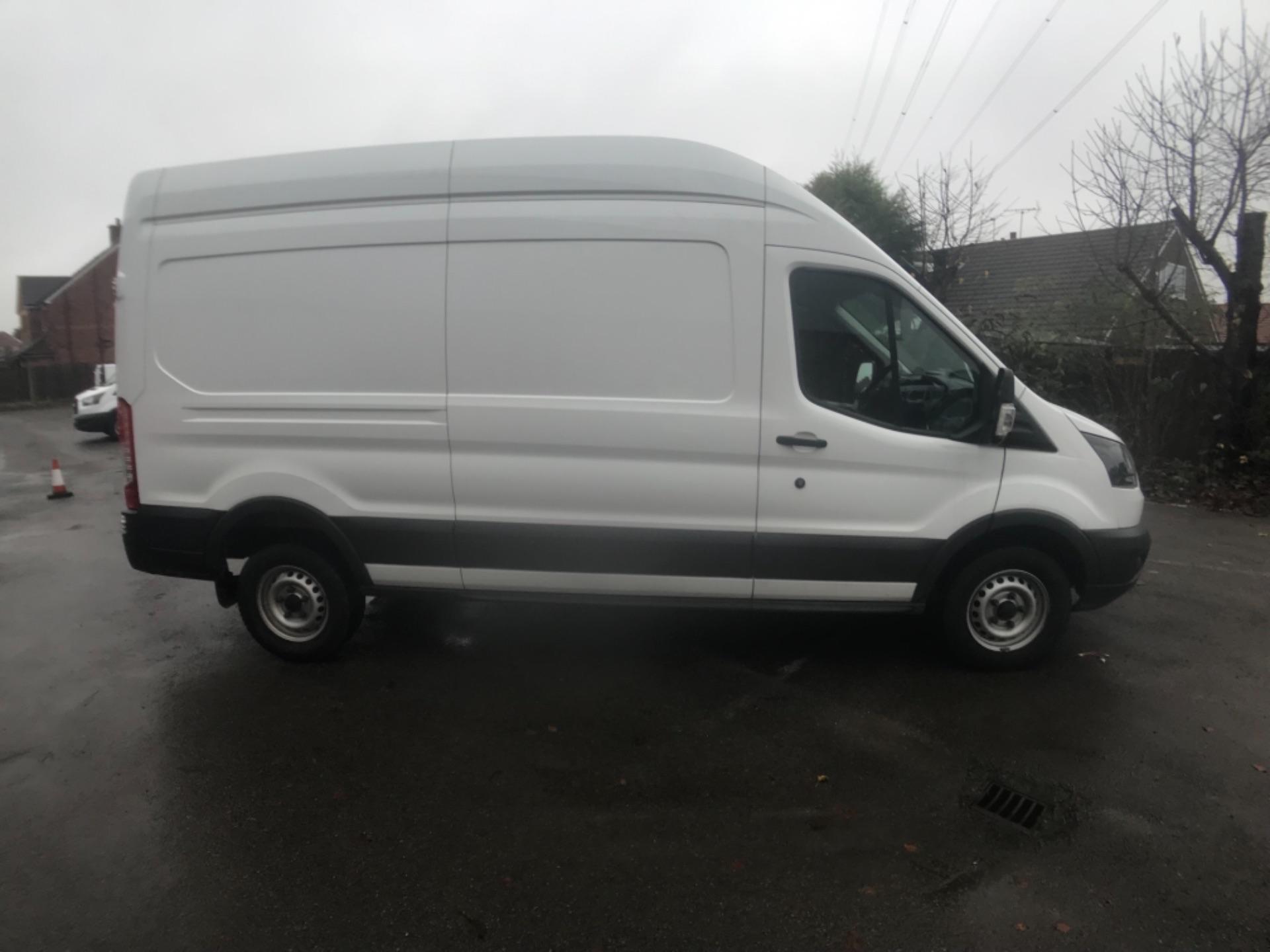 2017 Ford Transit 350  L3 H3 VAN 130PS EURO 6 (FG67FDU) Image 4