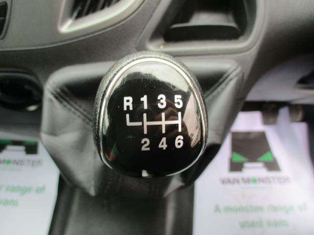 2017 Ford Transit Custom L1 DIESEL FWD 2.0 TDCI 105PS LOW ROOF VAN EURO 6 (FG67FET) Image 15