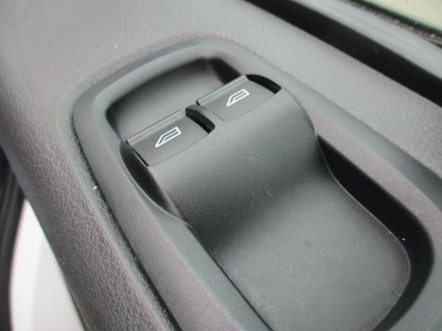 2017 Ford Transit Custom L1 DIESEL FWD 2.0 TDCI 105PS LOW ROOF VAN EURO 6 (FG67FET) Image 17