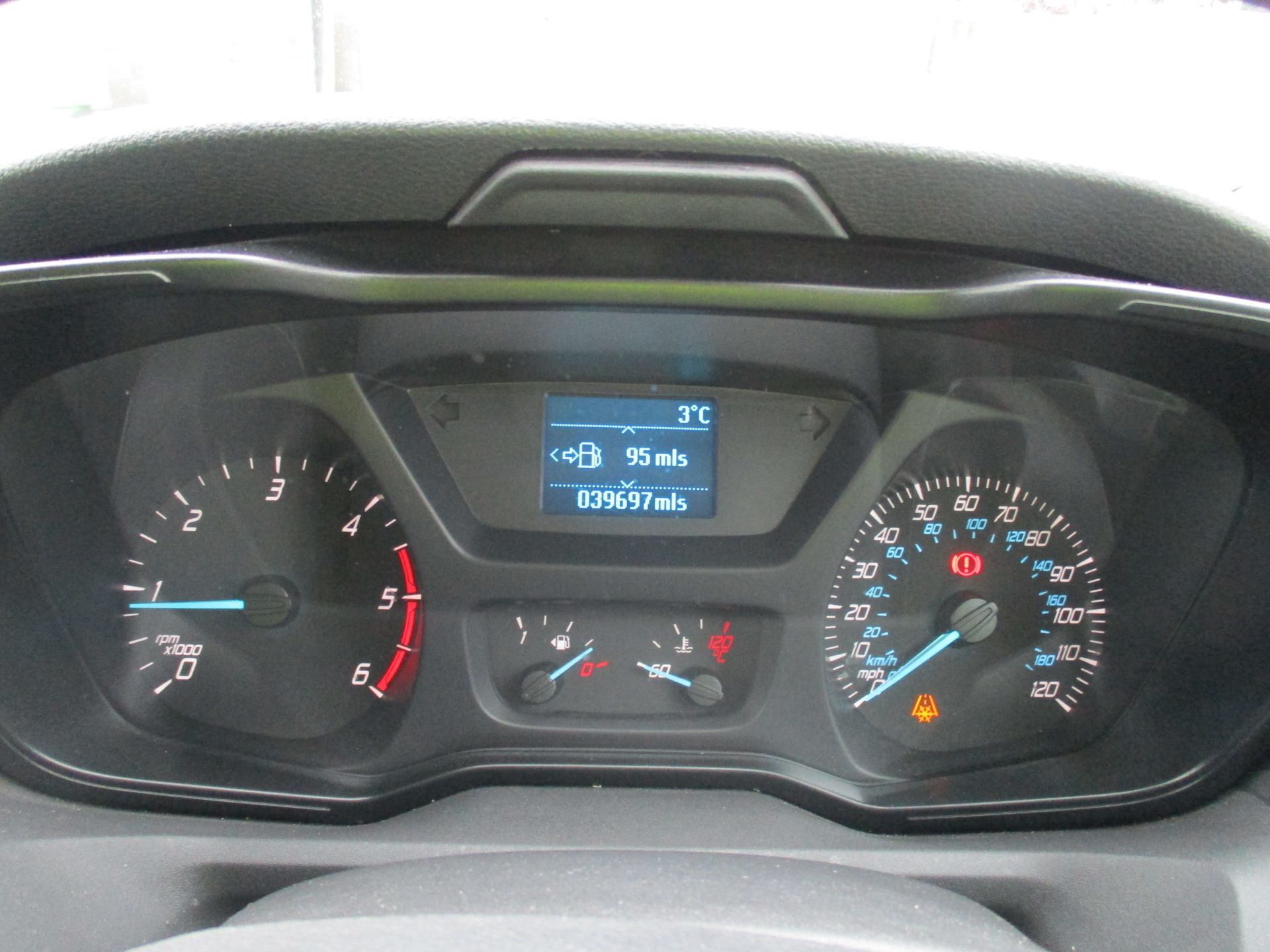 2017 Ford Transit L3 H3 VAN 130PS EURO 6 (FG67FFJ) Image 17