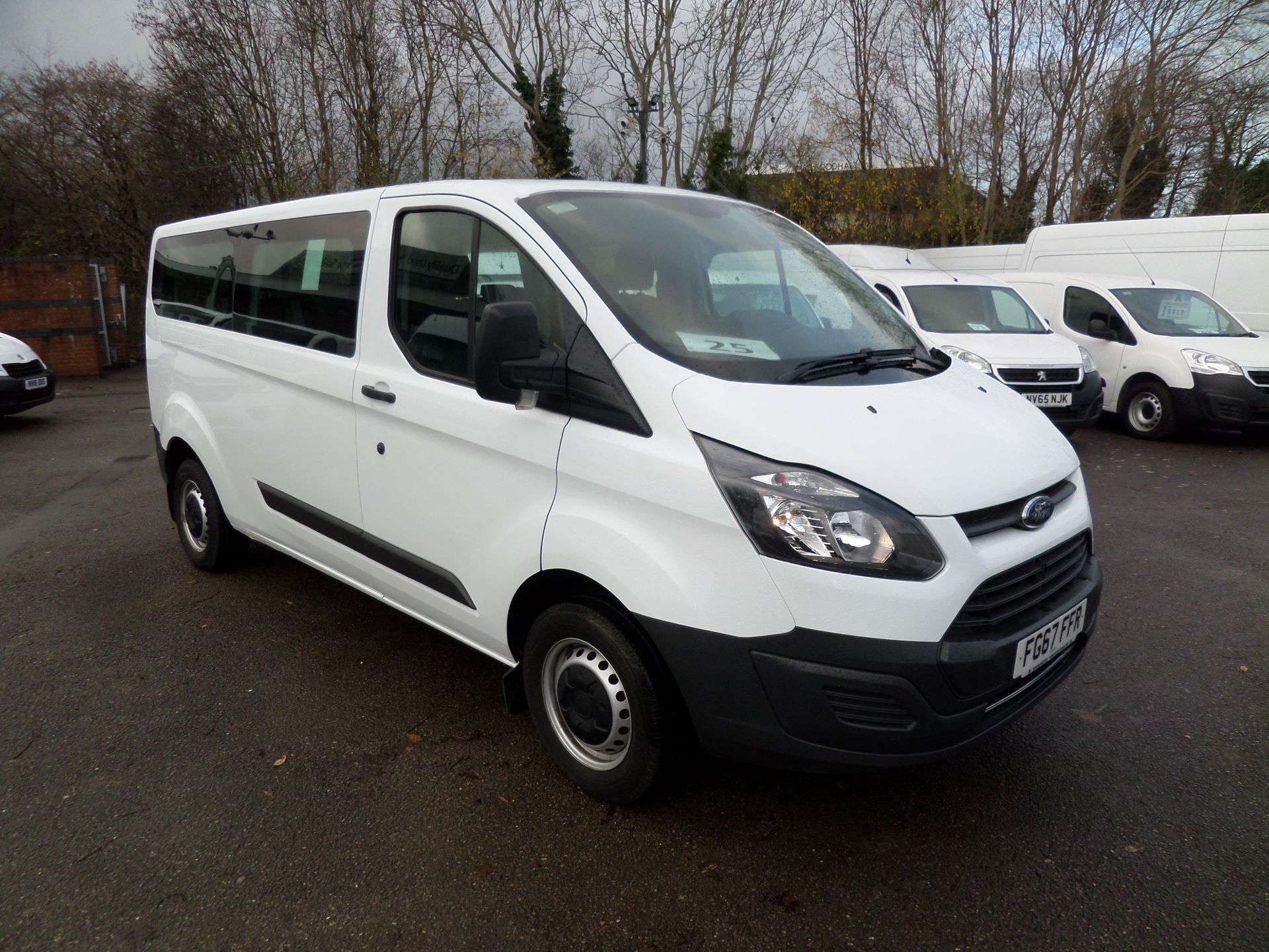 2017 Ford Transit Custom 2.0 Tdci 130Ps Low Roof Kombi 9 Seater Mini Bus Euro 6 (FG67FFR)
