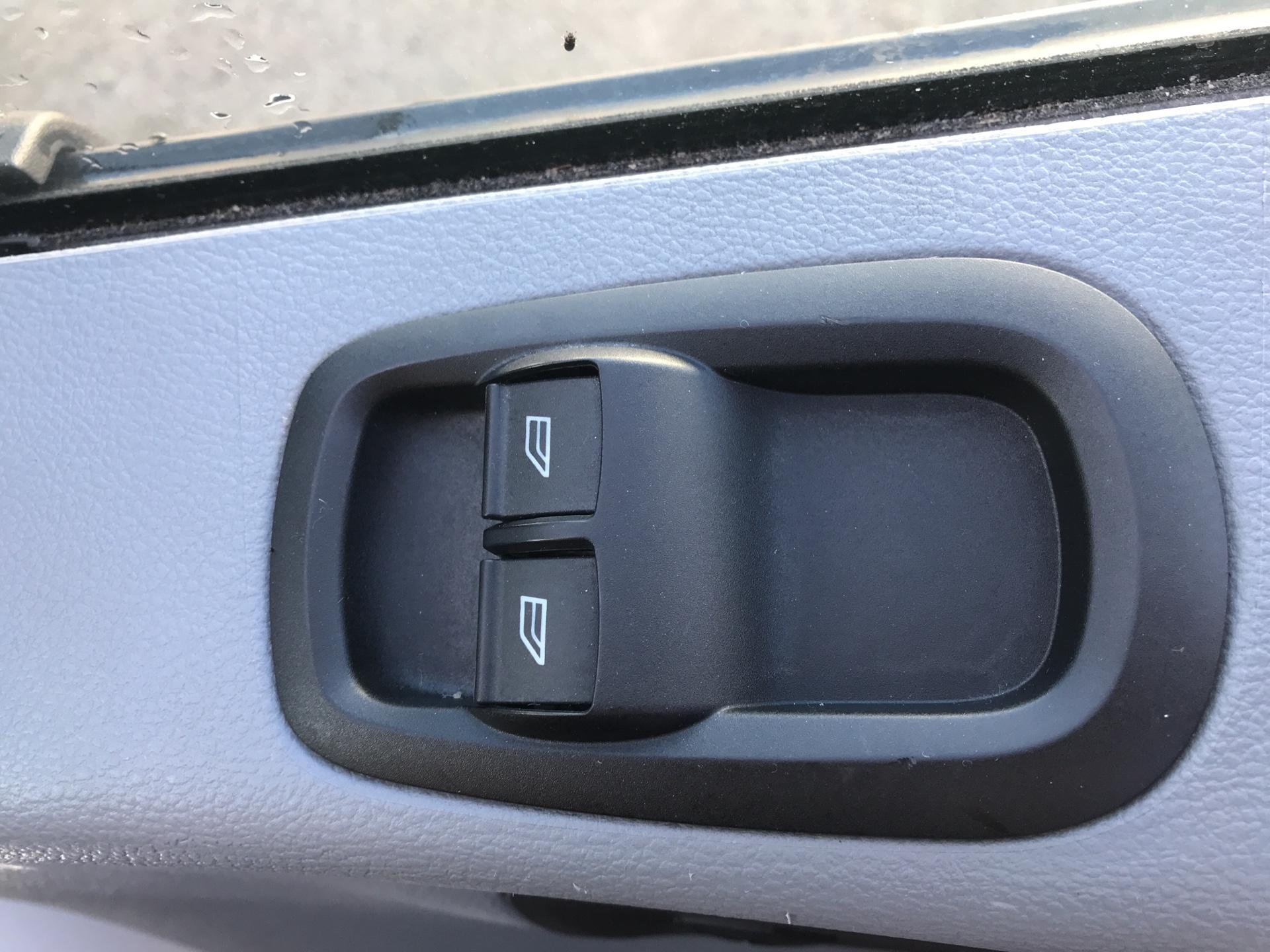 2017 Ford Transit 350 L3 H3 VAN 130PS EURO 6 (FG67FHA) Image 16