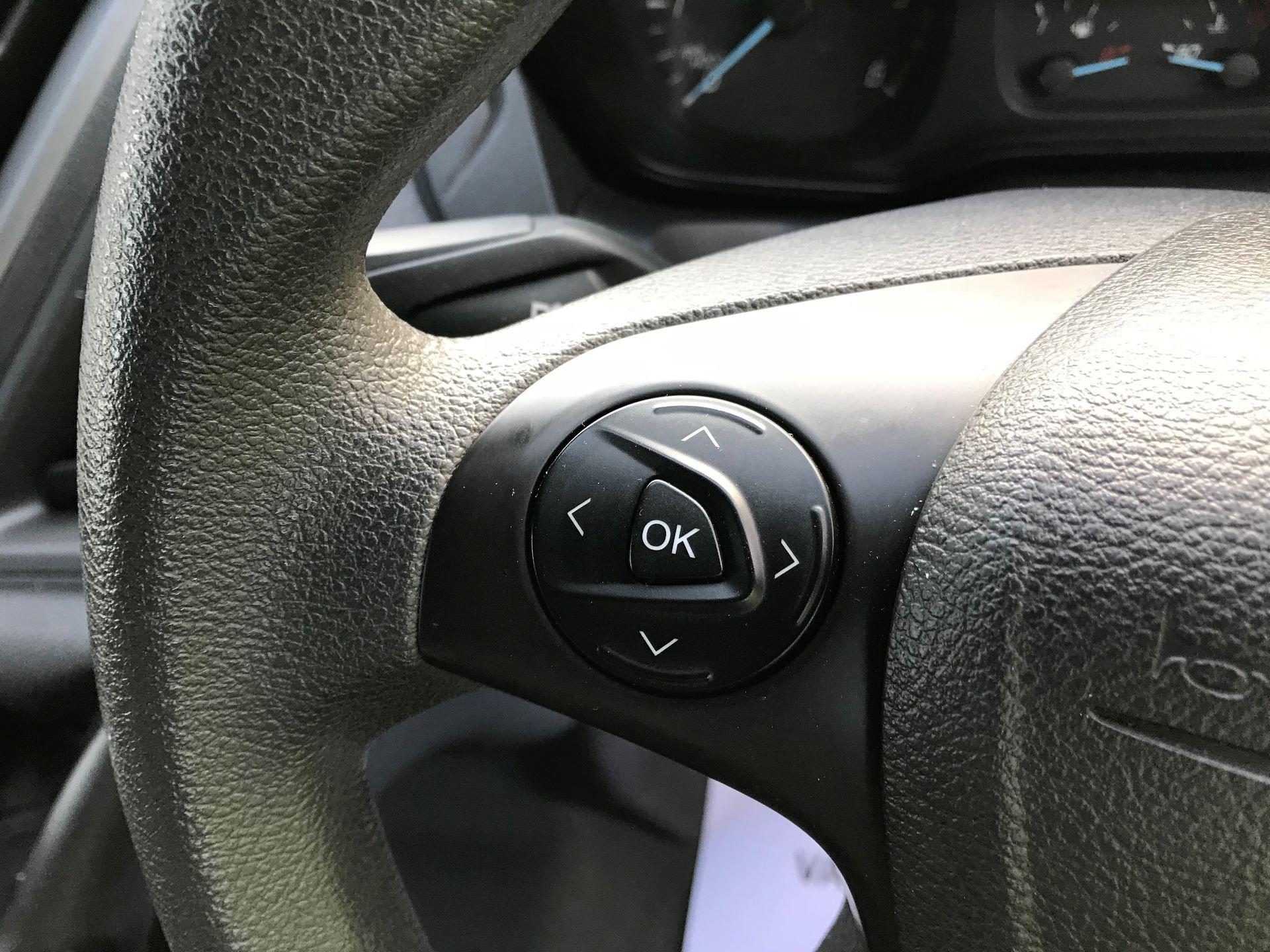 2017 Ford Transit Custom   310 L2 L/R KOMBI 130PS EURO 6 (FG67FOM) Image 26