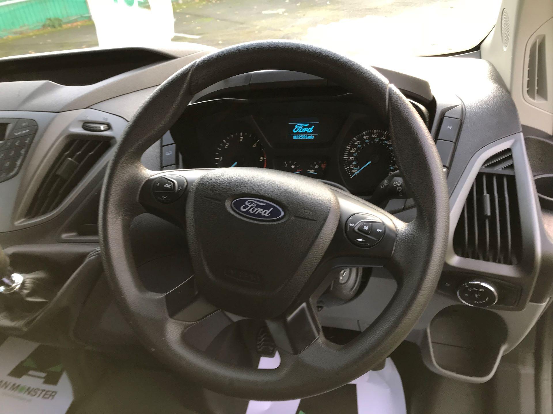 2017 Ford Transit Custom   310 L2 L/R KOMBI 130PS EURO 6 (FG67FOM) Image 23