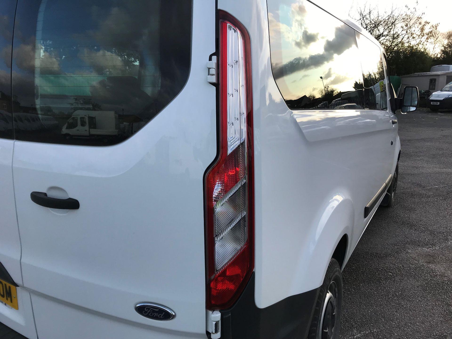 2017 Ford Transit Custom   310 L2 L/R KOMBI 130PS EURO 6 (FG67FOM) Image 15