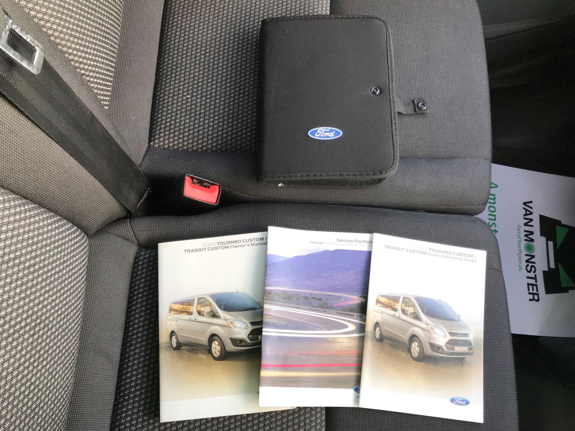 2017 Ford Transit Custom   310 L2 L/R KOMBI 130PS EURO 6 (FG67FOM) Image 28