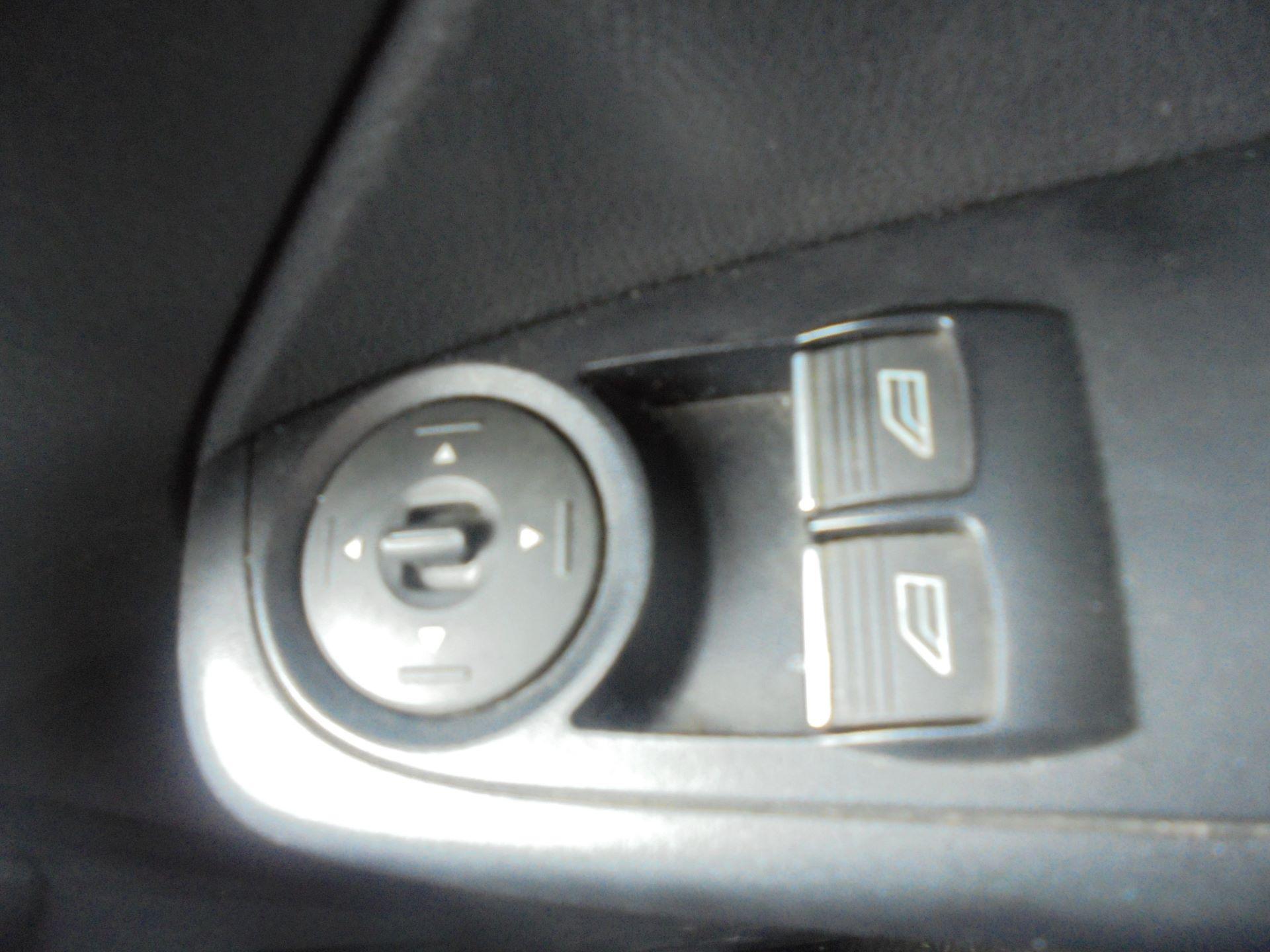 2017 Ford Fiesta BASE TDCI 1.5 Tdci Van EURO 6 (FG67FWM) Image 17