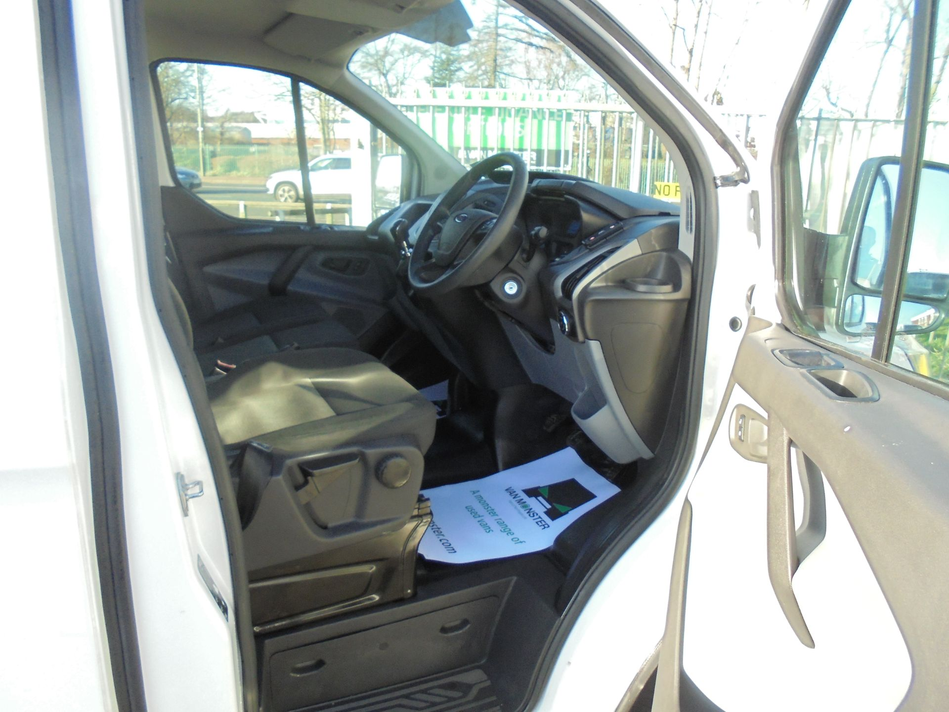 2017 Ford Transit Custom 2.0 Tdci 105Ps Low Roof Van (FG67FYJ) Image 11