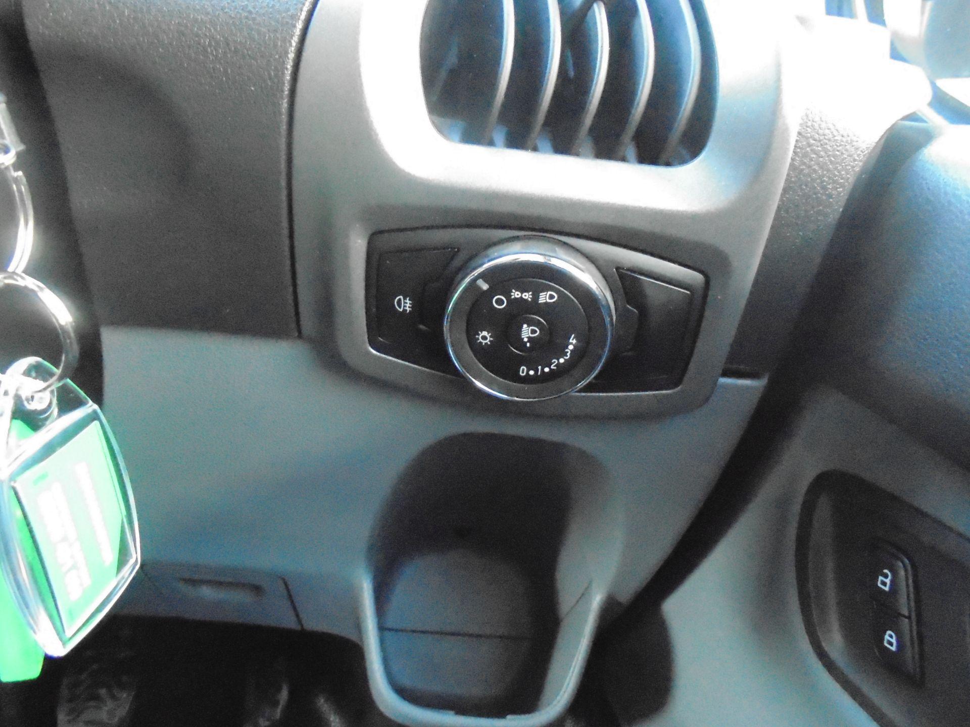 2017 Ford Transit Custom 2.0 Tdci 105Ps Low Roof Van (FG67FYJ) Image 18