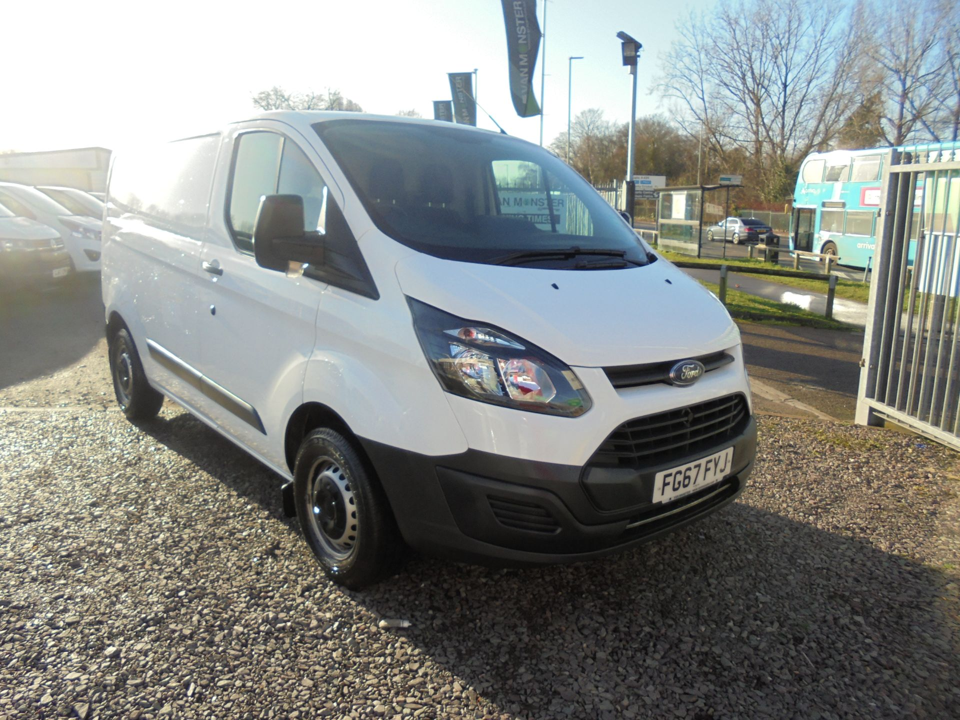 2017 Ford Transit Custom 2.0 Tdci 105Ps Low Roof Van (FG67FYJ)