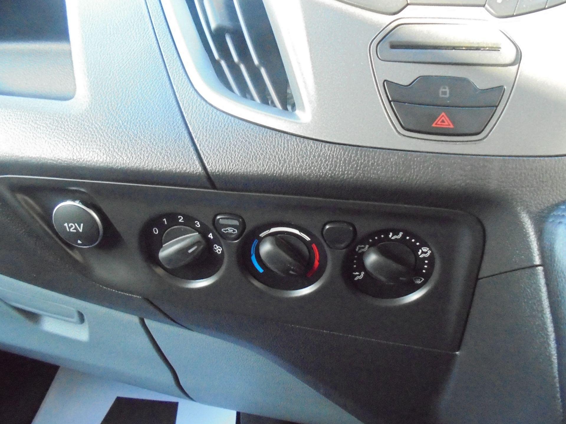 2017 Ford Transit Custom 2.0 Tdci 105Ps Low Roof Van (FG67FYJ) Image 24
