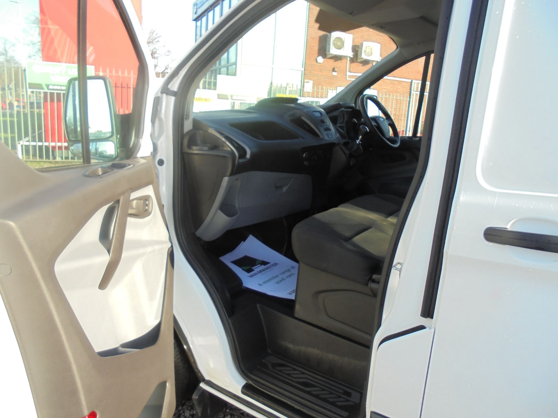 2017 Ford Transit Custom 2.0 Tdci 105Ps Low Roof Van (FG67FYJ) Image 12