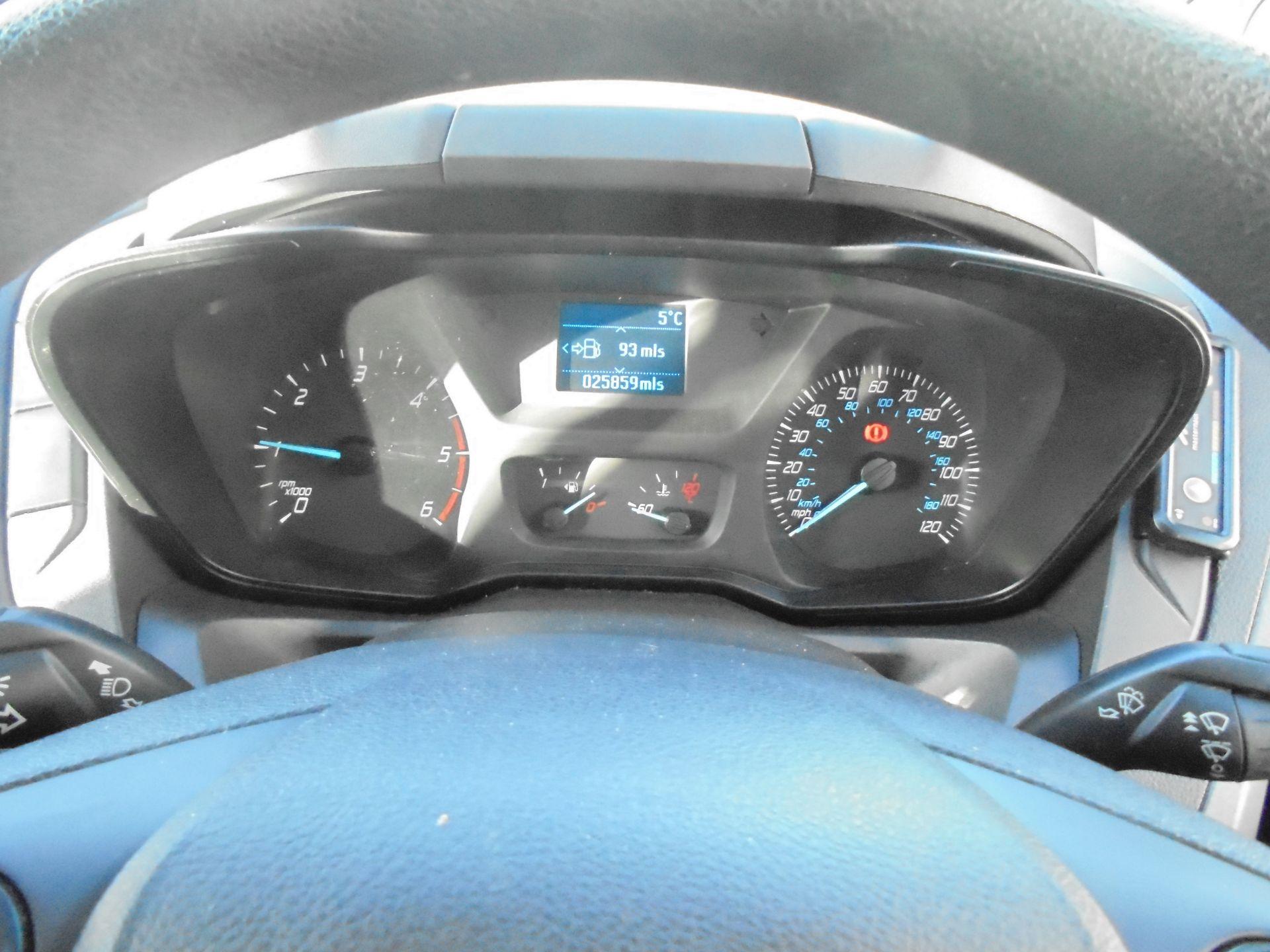 2017 Ford Transit Custom 2.0 Tdci 105Ps Low Roof Van (FG67FYJ) Image 16