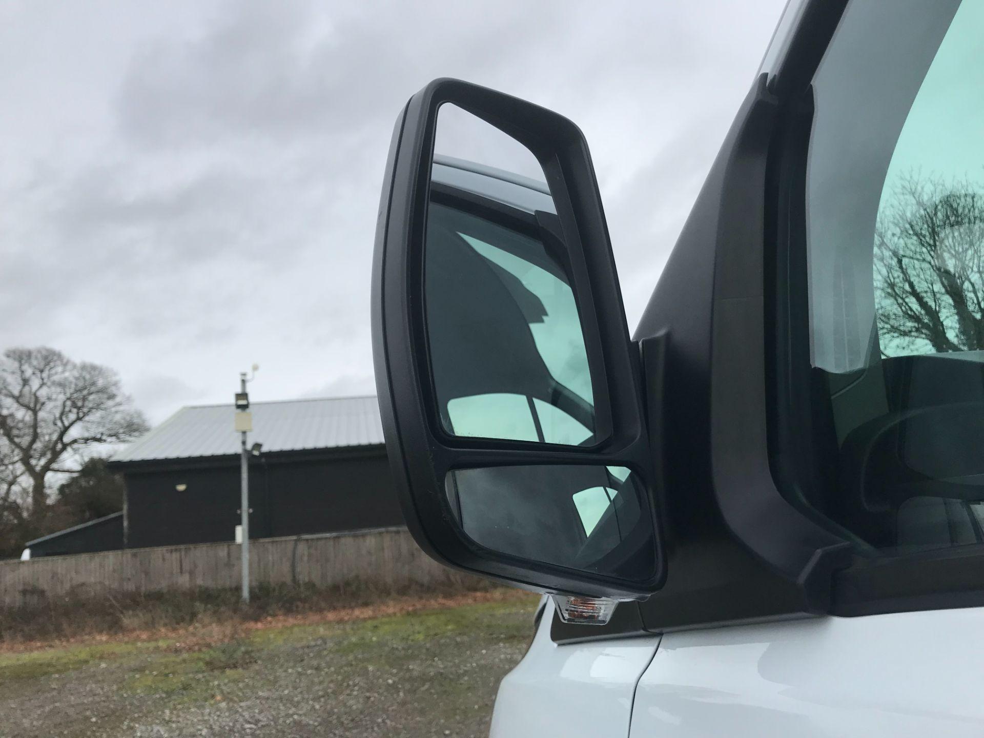 2017 Ford Transit Custom  290 L1 DIESEL FWD 2.0 TDCI 105PS LOW ROOF VAN EURO 6 (FG67FYT) Image 14