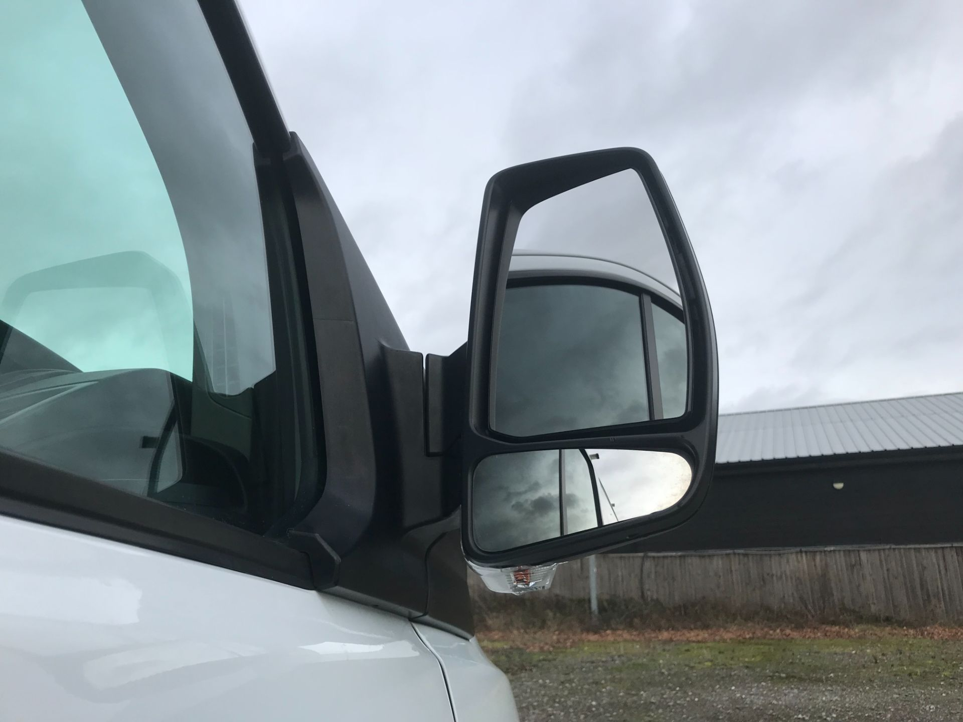 2017 Ford Transit Custom  290 L1 DIESEL FWD 2.0 TDCI 105PS LOW ROOF VAN EURO 6 (FG67FYT) Image 13