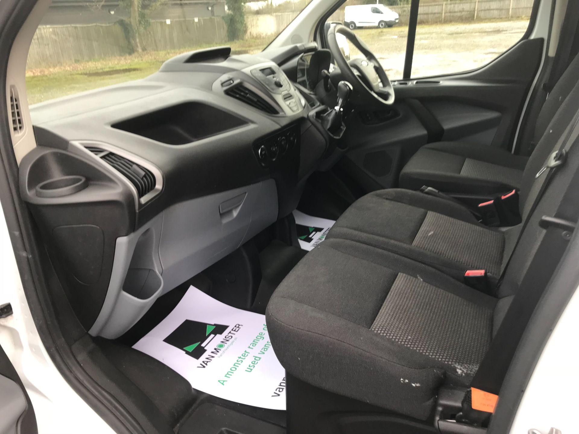 2017 Ford Transit Custom  290 L1 DIESEL FWD 2.0 TDCI 105PS LOW ROOF VAN EURO 6 (FG67FYT) Image 22