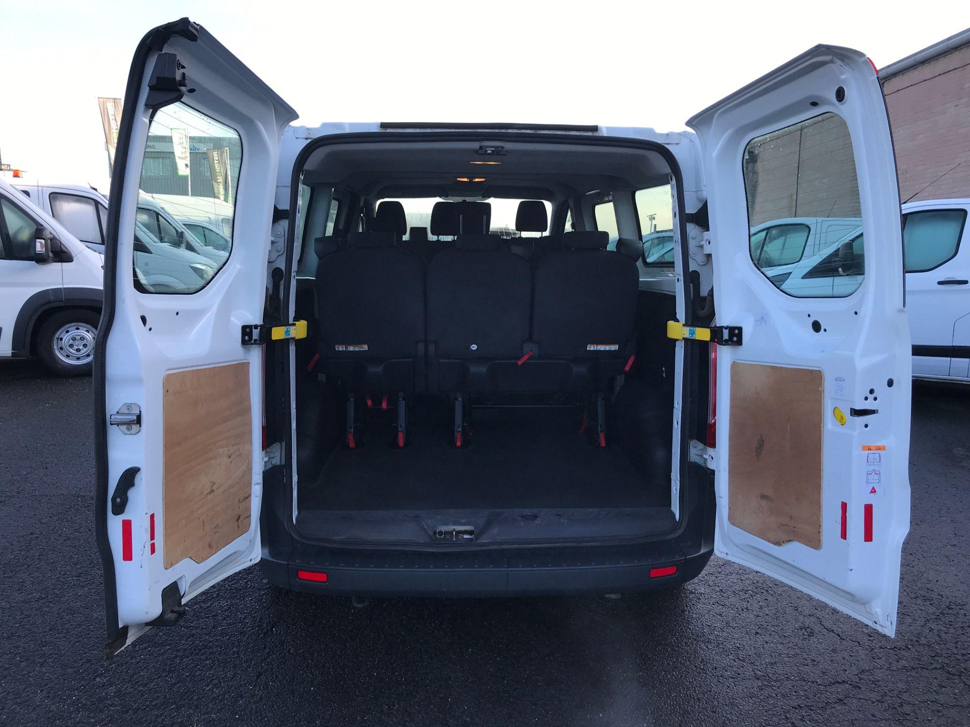 2017 Ford Transit Custom 310 L2 LOW ROOF 9 SEAT MINIBUS 130PS EURO 6 (FG67GAX) Image 18