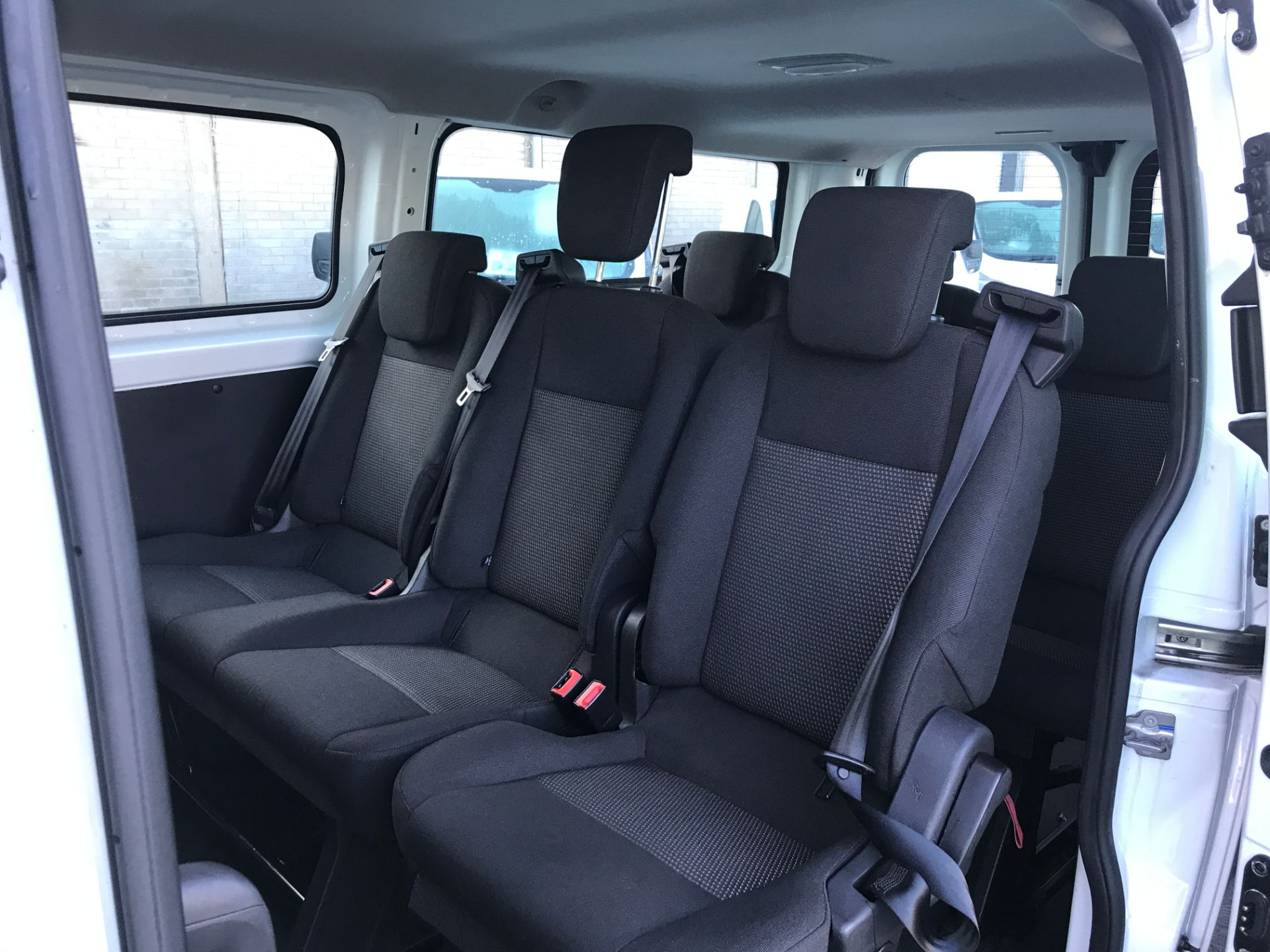 2017 Ford Transit Custom 310 L2 LOW ROOF 9 SEAT MINIBUS 130PS EURO 6 (FG67GAX) Image 16
