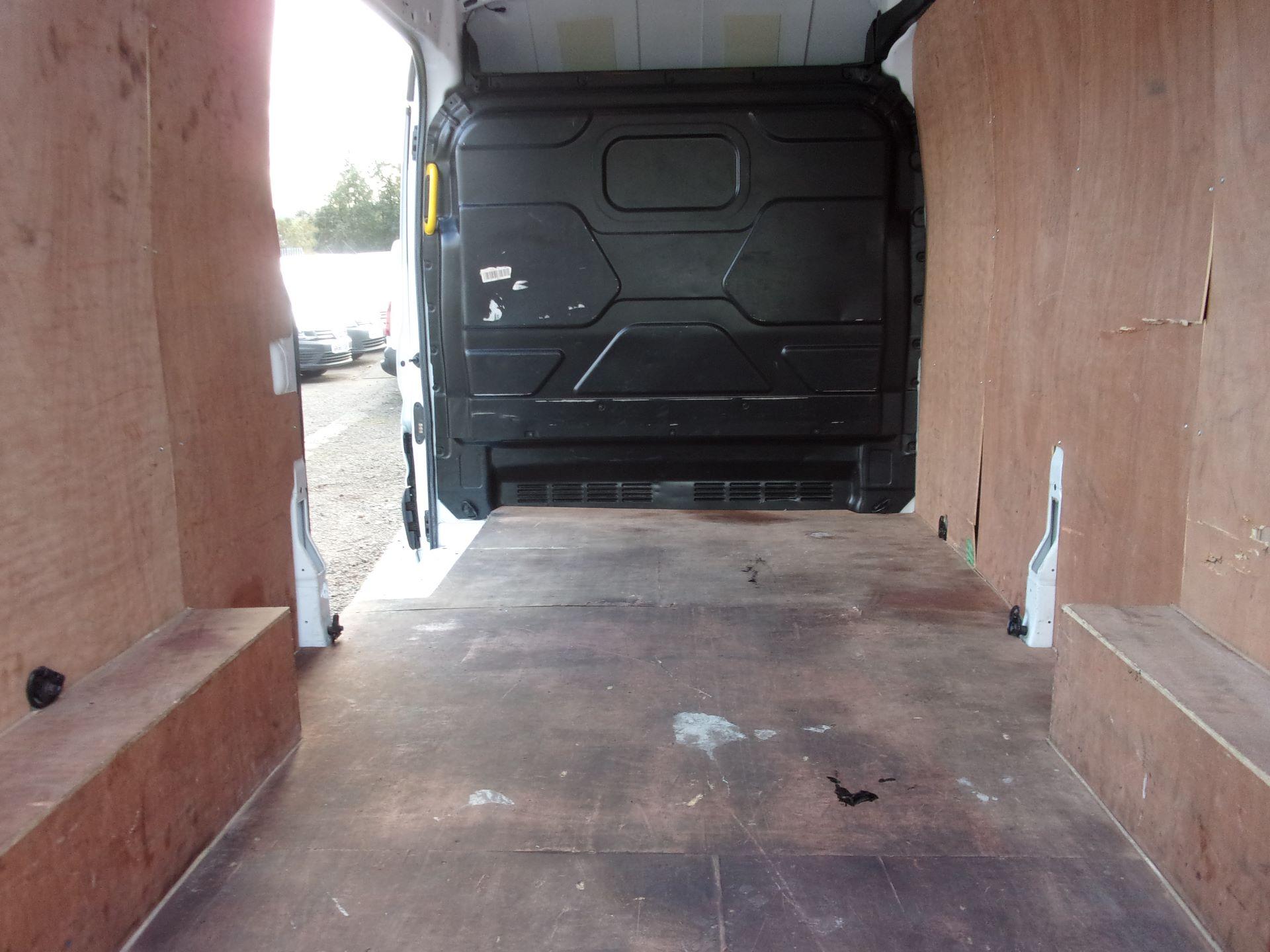 2017 Ford Transit 350 L3 H3 130PS VAN EURO 6 (FG67GCY) Image 9