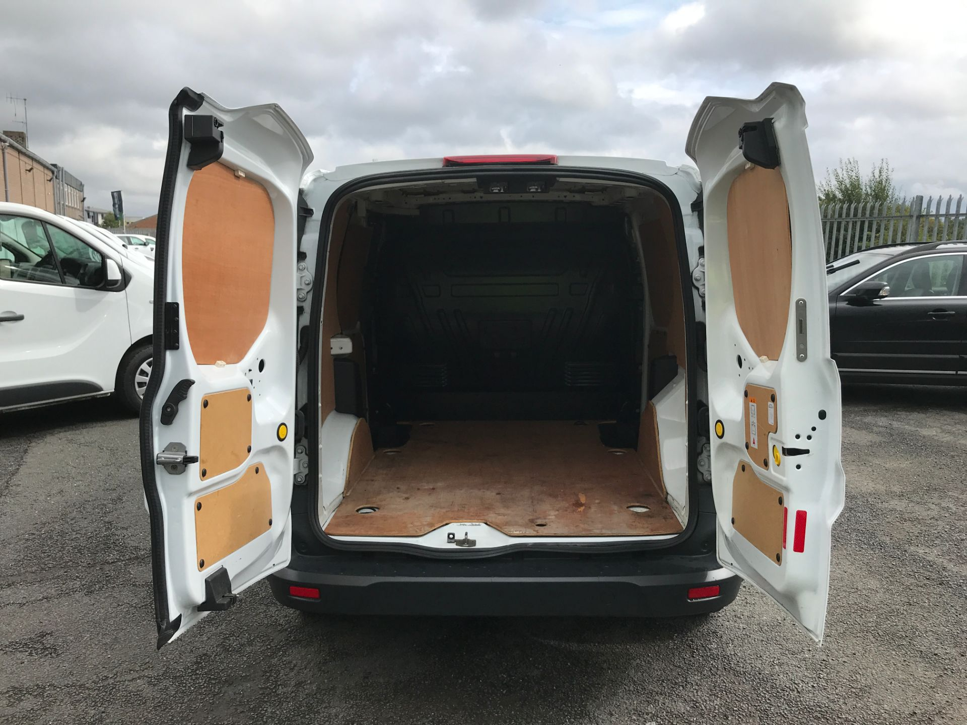 2016 Ford Transit Connect T220 L1 H1 1.5TDCI 75PS EURO 6 (FH16KHP) Image 16
