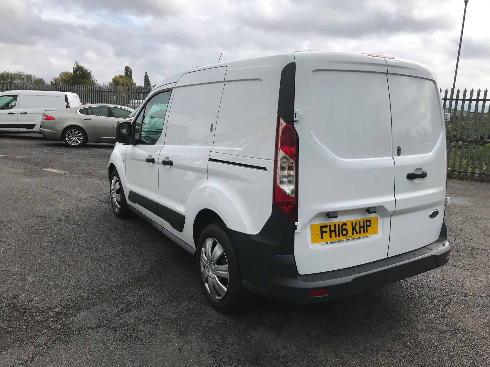 2016 Ford Transit Connect T220 L1 H1 1.5TDCI 75PS EURO 6 (FH16KHP) Image 10