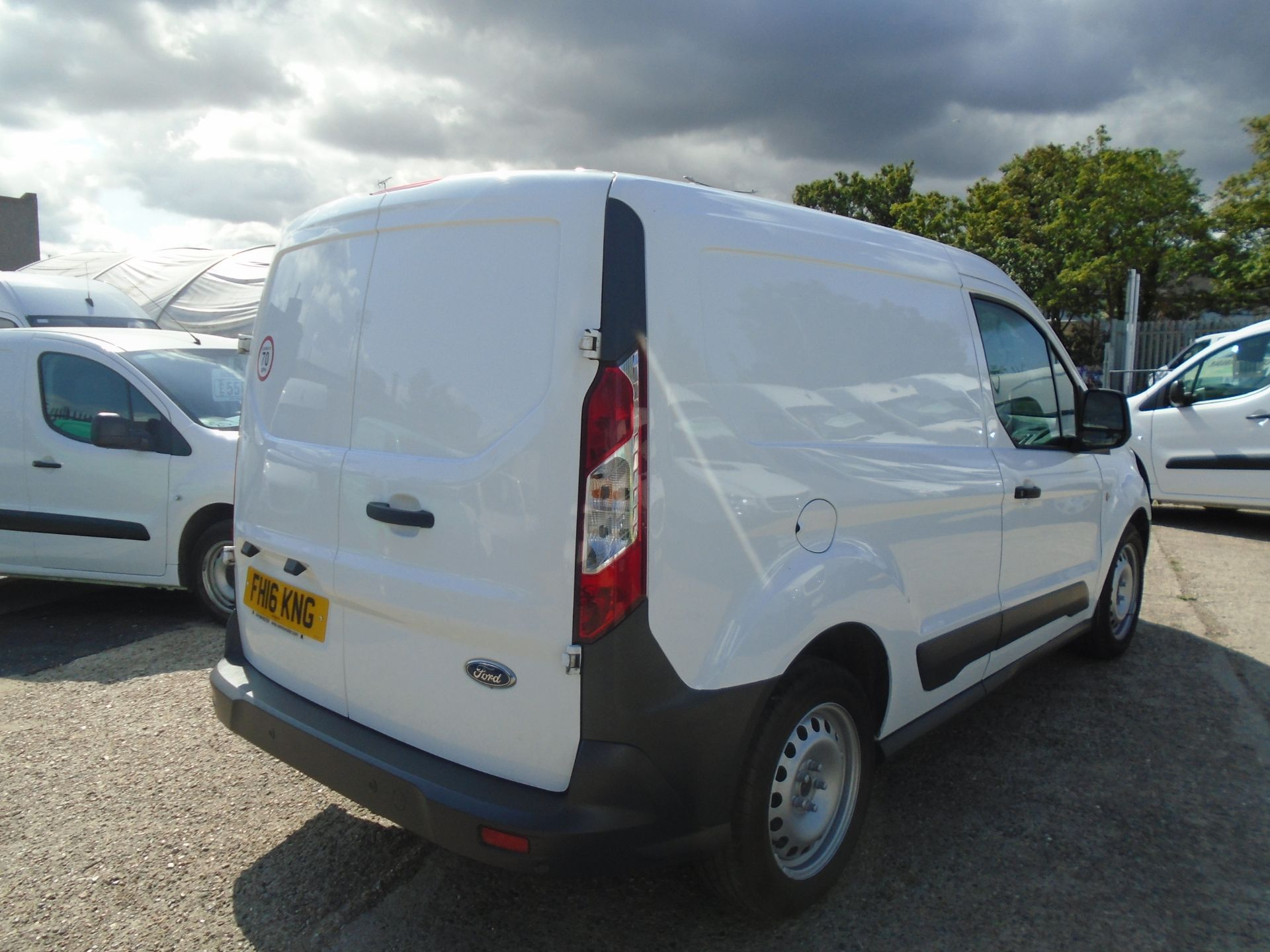 2016 Ford Transit Connect 1.5 Tdci 100Ps Econetic Van -LIMITED TO 70MPH (FH16KNG) Image 9