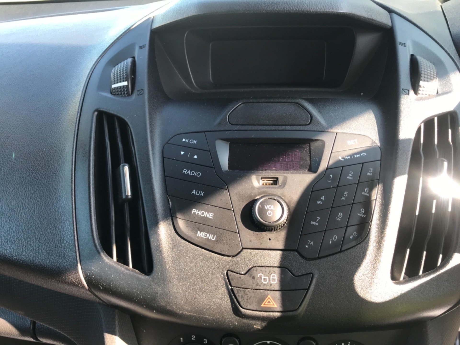 2016 Ford Transit Connect  220 L1 Diesel 1.5 TDCi 75PS Van EURO 6 (FH16KPE) Image 9