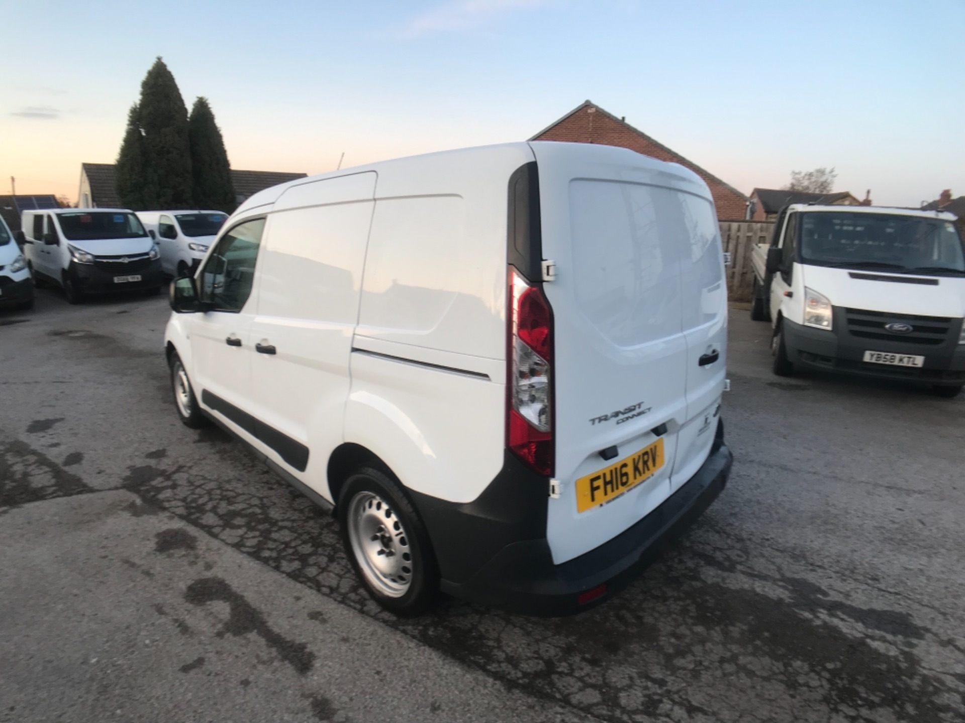 2016 Ford Transit Connect 220 1.5 Tdci 75Ps Van Euro 6 (FH16KRV) Image 5